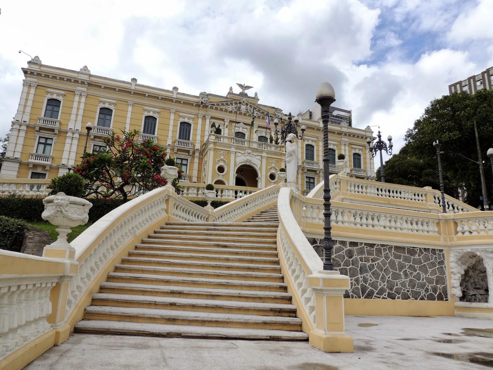 Grandioso, o Palácio Anchieta mantém Espaço Cultural para receber exposições