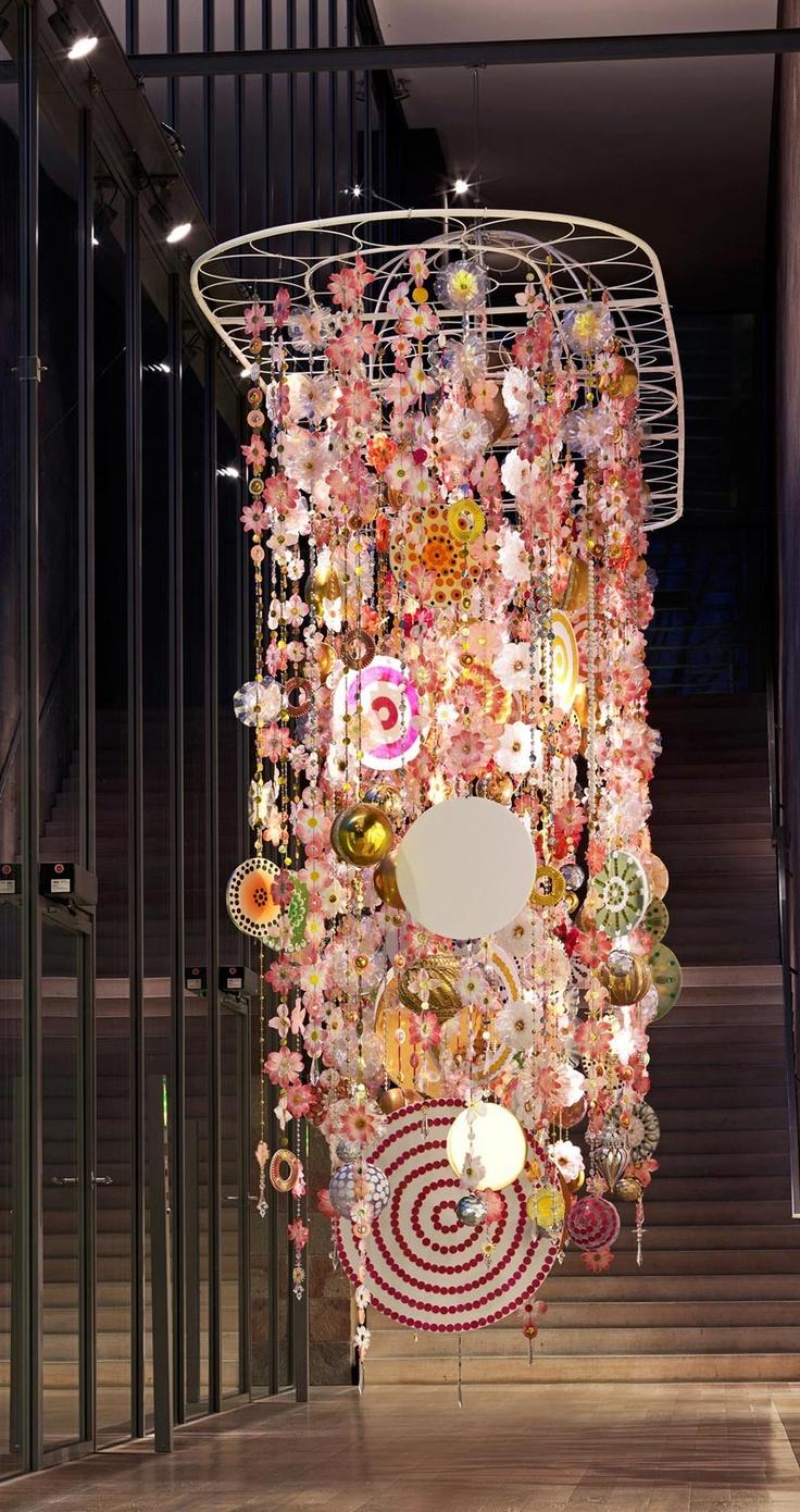 """Milhazes explorou materiais resistentes e não vê """"Gamboa"""", 2010 (acima), como uma escultura"""