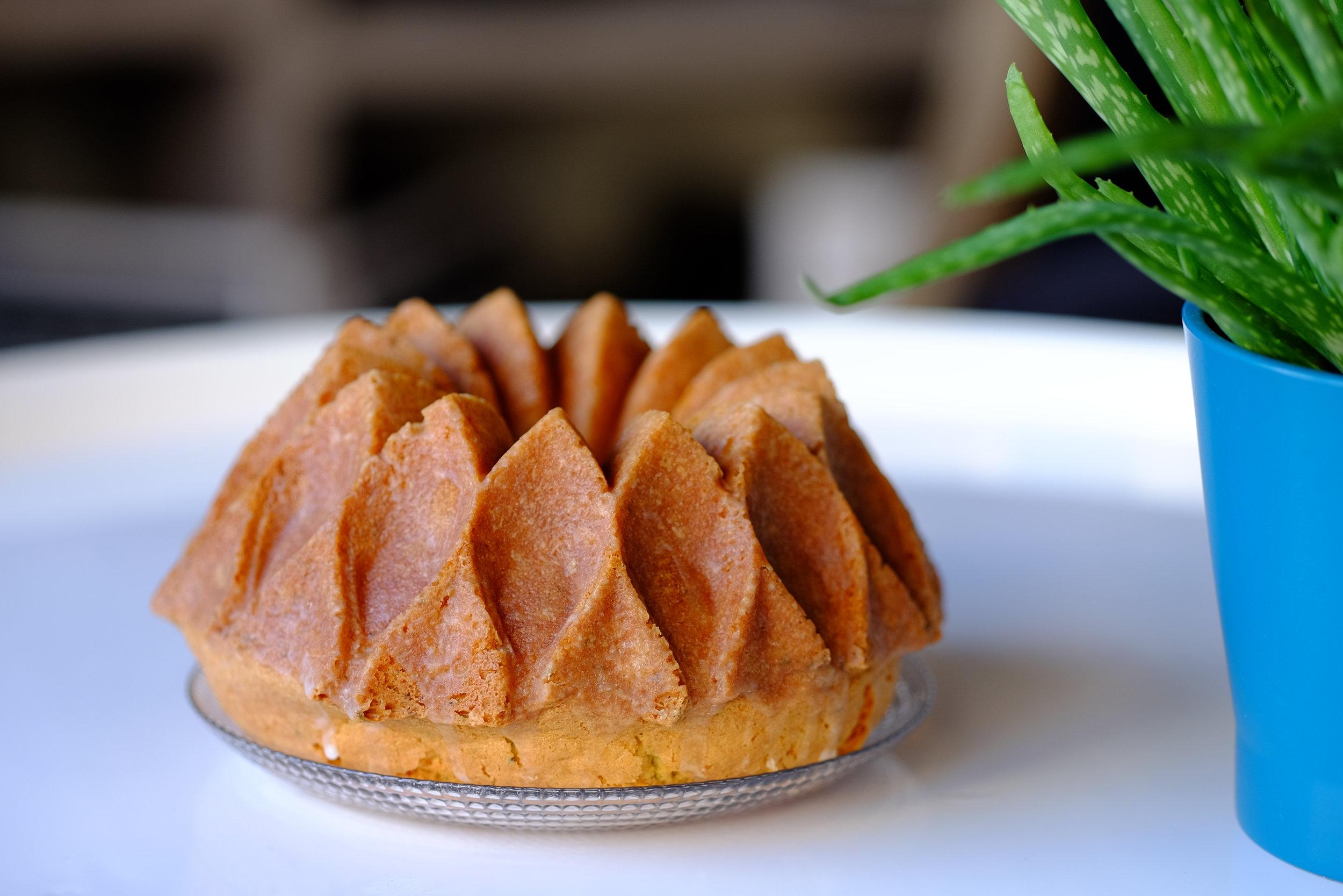 Lemon-Rosemary Cake