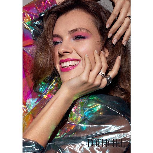 💖DAZZLING💖 en caso de duda... ALWAYS PINK ! ¿Como os ha ido el fin de semana ? Last beauty editorial for @lofficielarabia with: . Photography: @ionbp  Retouching: @cristn.farrarons Stylist: @djajaja  Makeup & hair by me with @Shiseido products