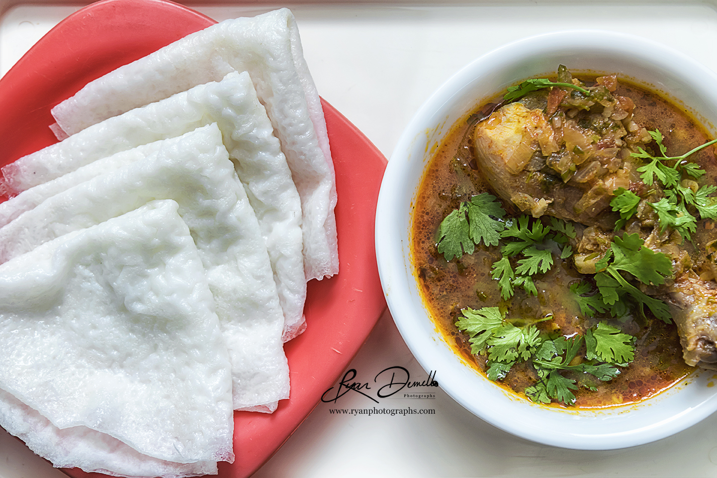 Neer Dosa And Chicken Curry