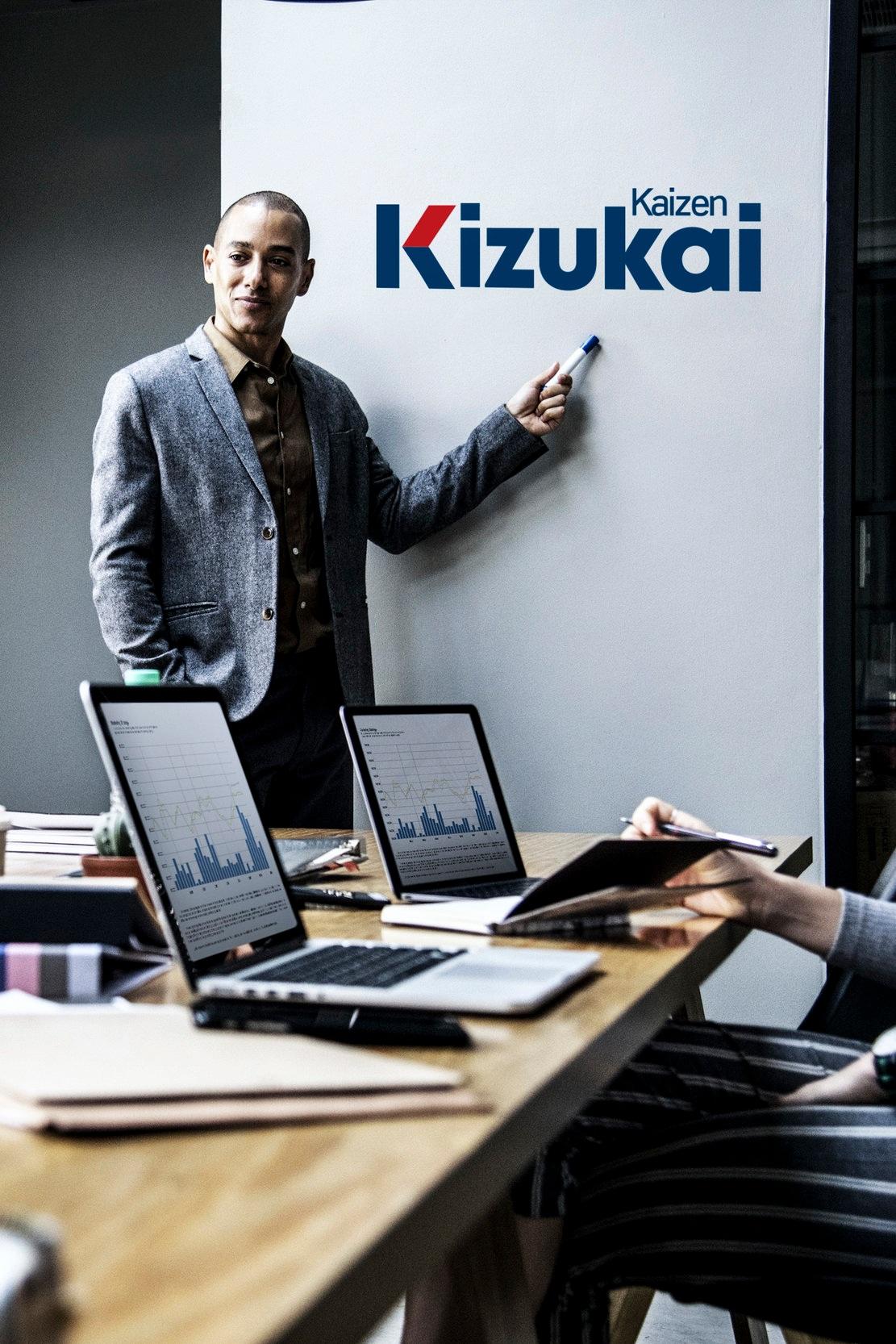 """Kizukai Kaizen, """"Estar consciente de la mejora"""", ha sido expuesta en América, Europa y Asia, así como en más de 1000 organizaciones mexicanas."""
