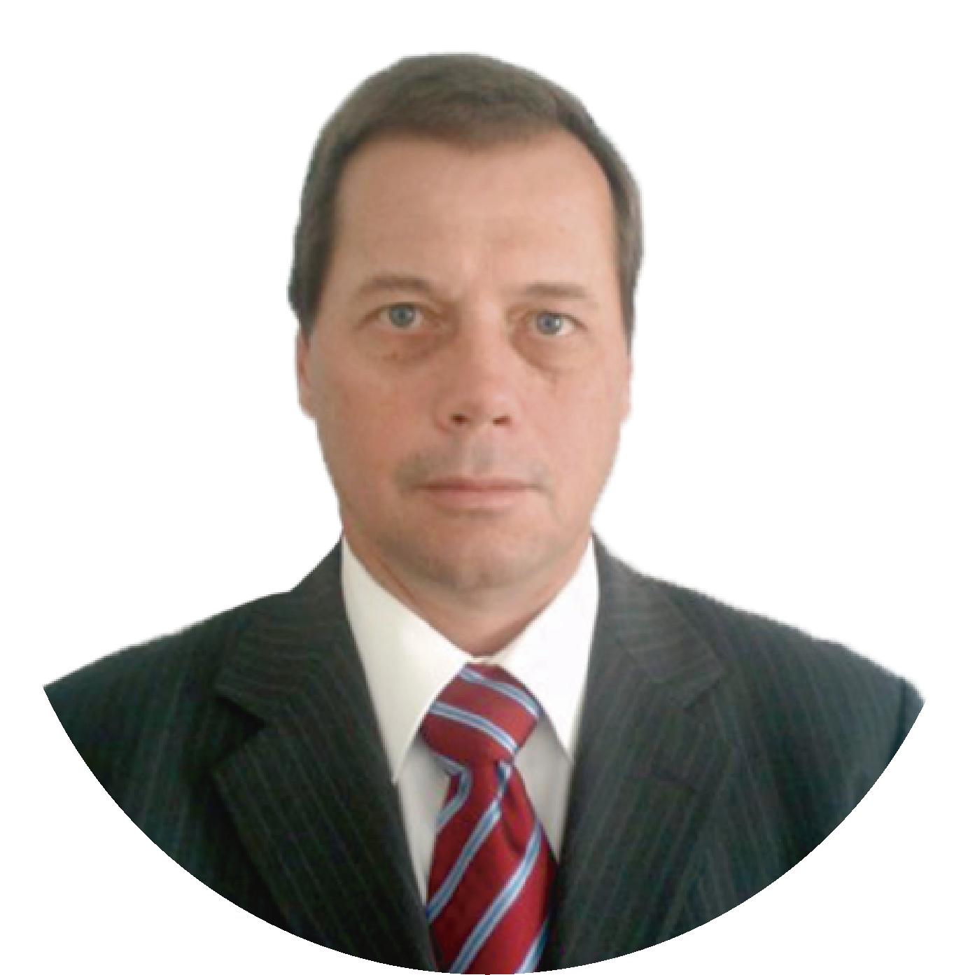 Adrián Howald Mauer - Egresado de la ETHZ en Suiza y del Busines School IPADE, cuenta con treinta y tres años de experiencia en la industria de la hospitalidad, seis años como director del Instituto Suizo de Gastronomía y Hotelería, fundador de varios restaurantes en la ciudad de Puebla.