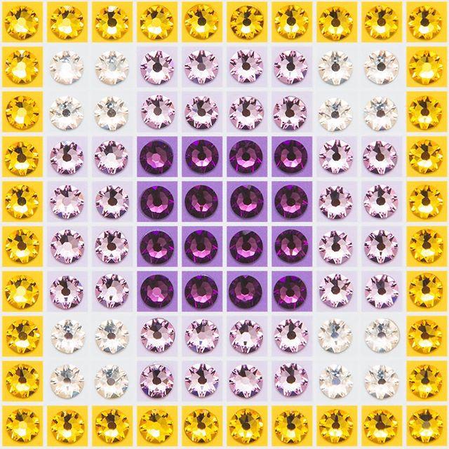 Madras Plaid Amethyst (very close-up) Photo by @goneserious . . . #geometric #geometricart #mixedmediaart #collage #crystalart #crystalcollage #crystalmosaic #Swarovski #Swarovskicrystals #Swarovskiart #Swarovskimosaic #gridart #geometric #geometricart #mixedmediaart #gridart #plaid #textilepattern #madrasplaid #plaidart #PrintedBySkinkInk