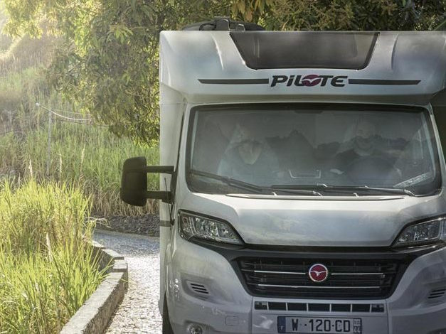 Camping-car-profile-Pilote-1500x470.jpg