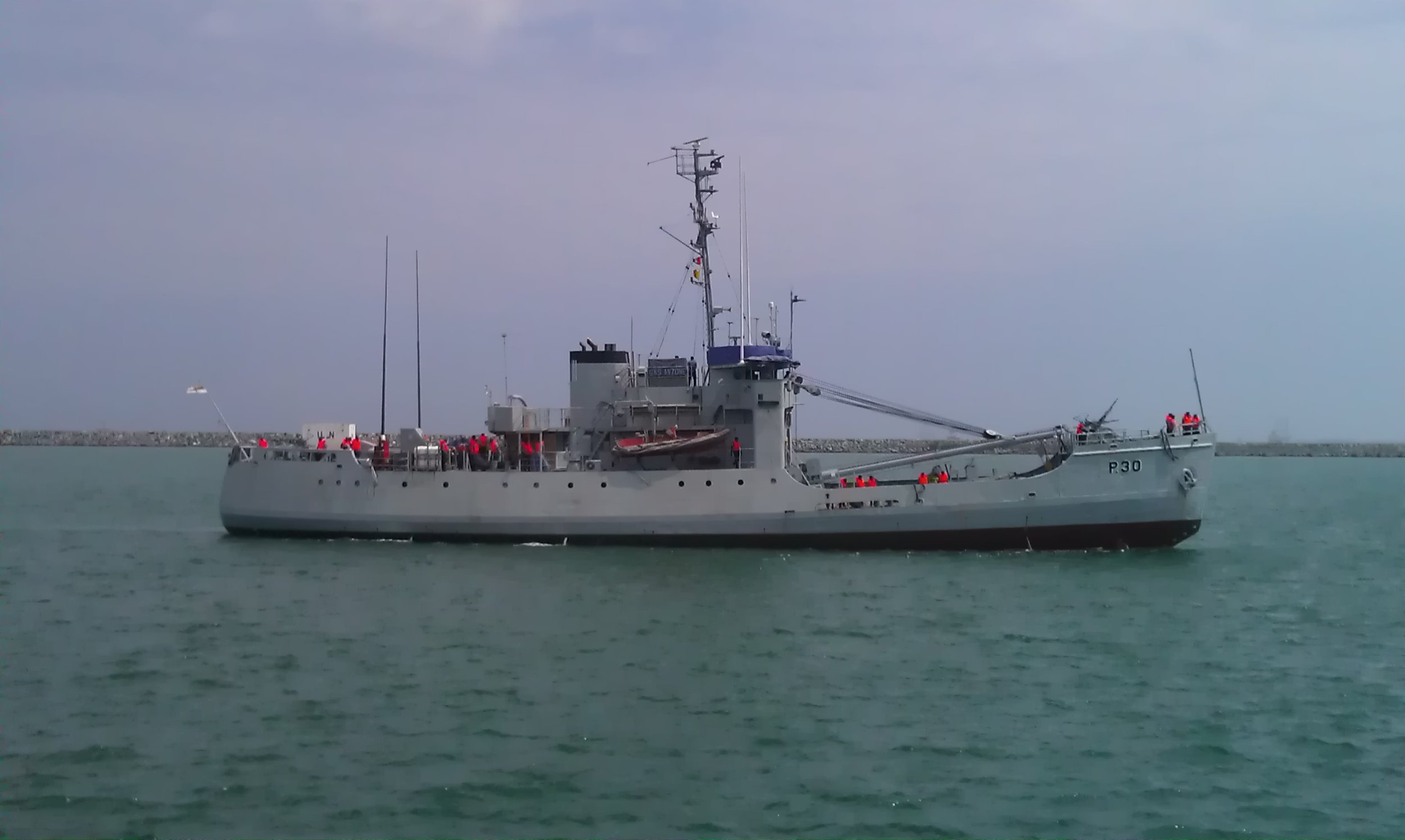 The old USCG Cutter Woodrush, built in Duluth in 1944.jpg