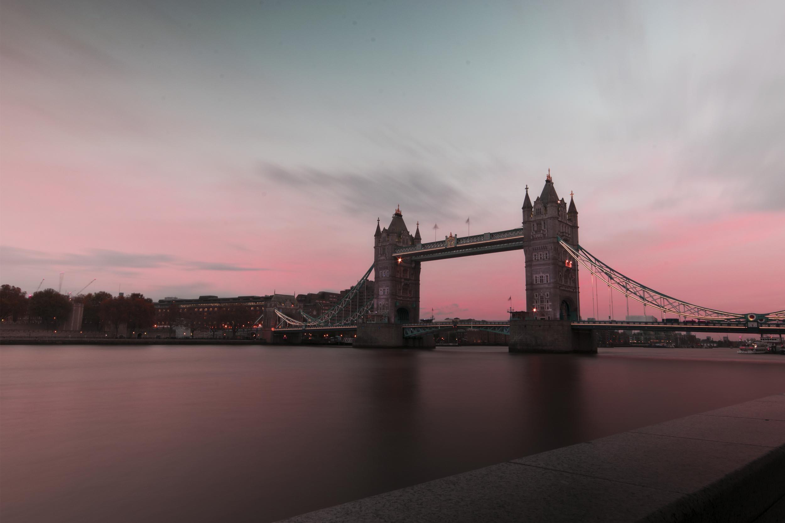 sunsetlondonbridge.jpg