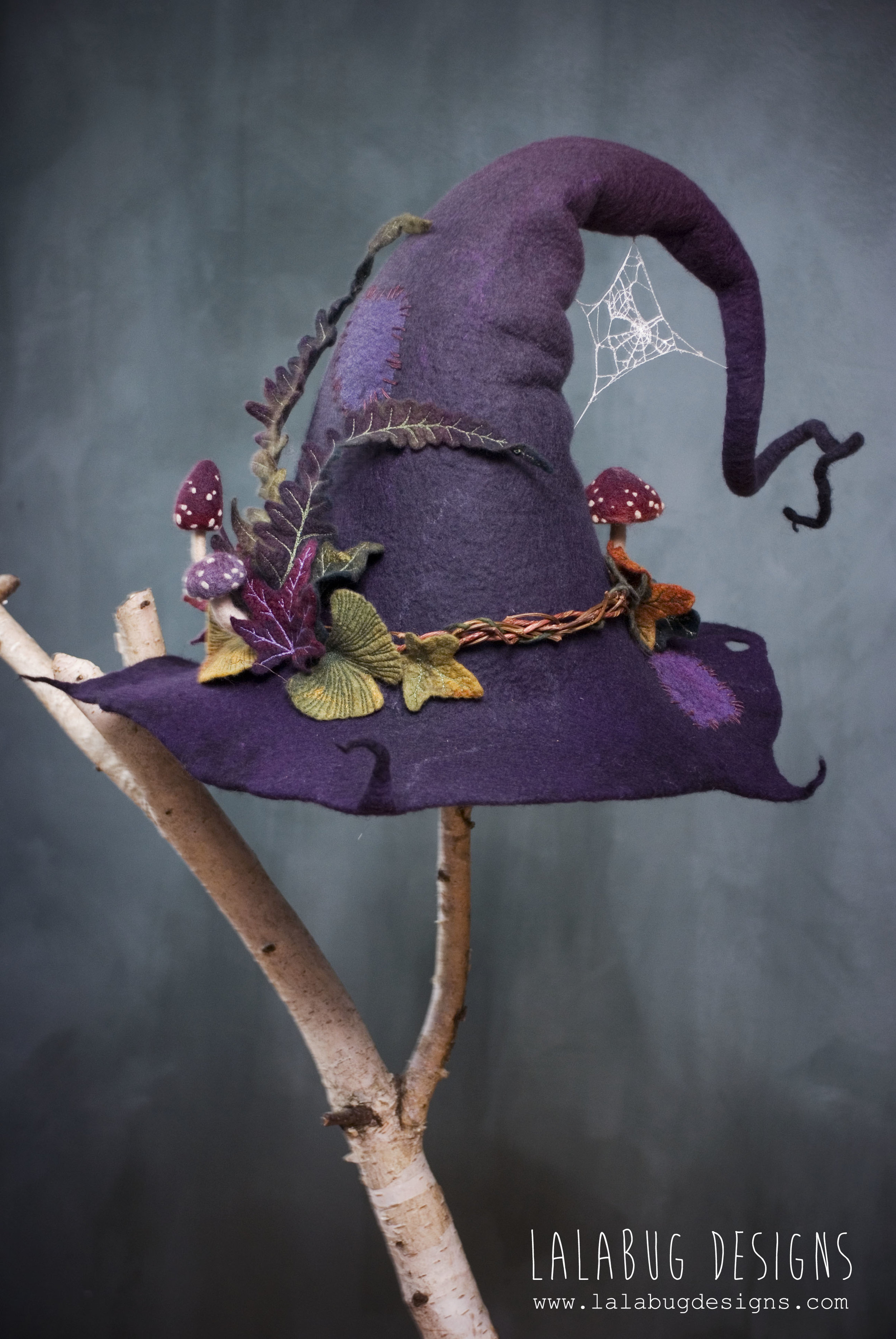 witch-purplemushrooms3.jpg