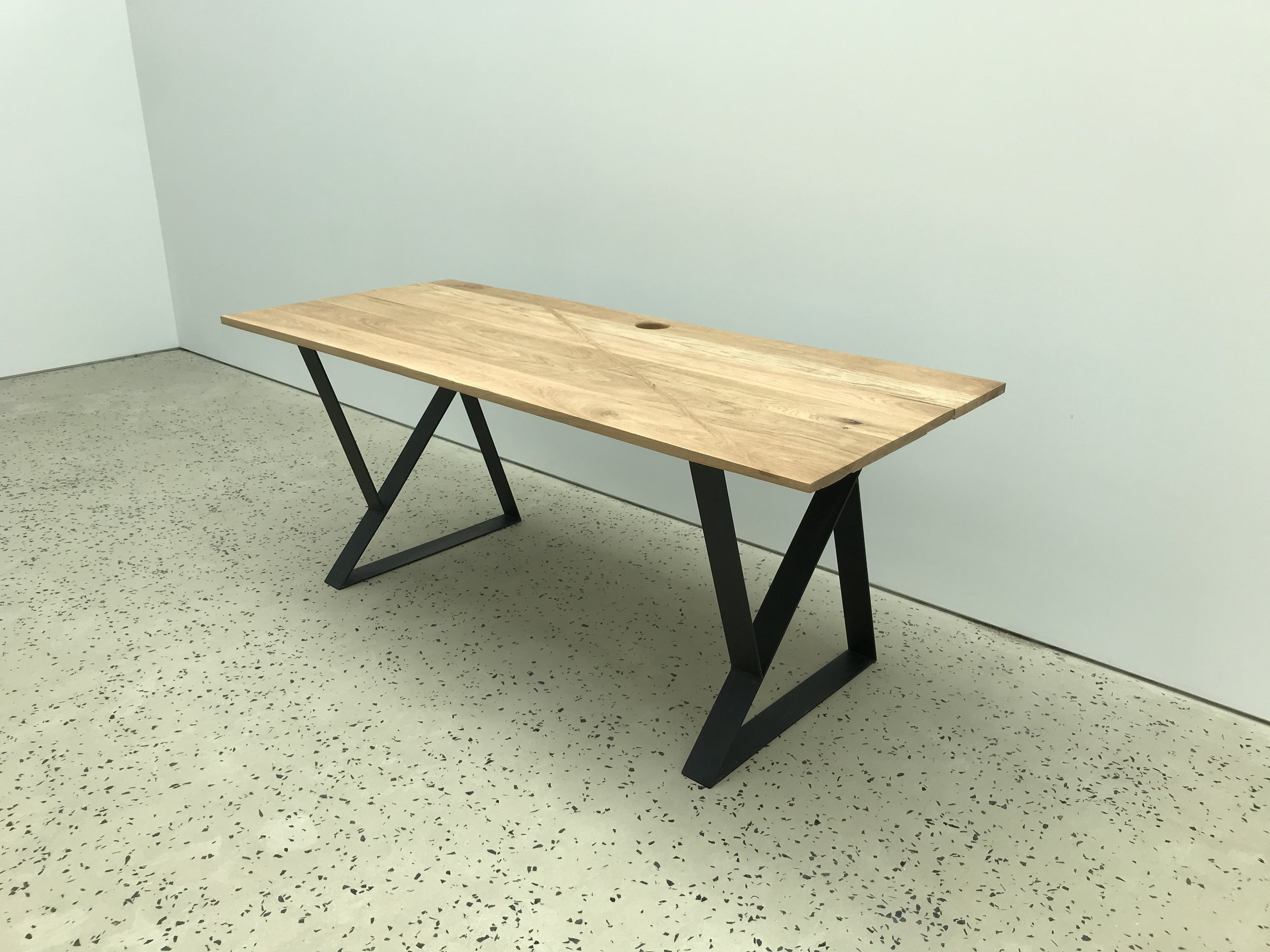 tables - desks, workstations, and dining tables