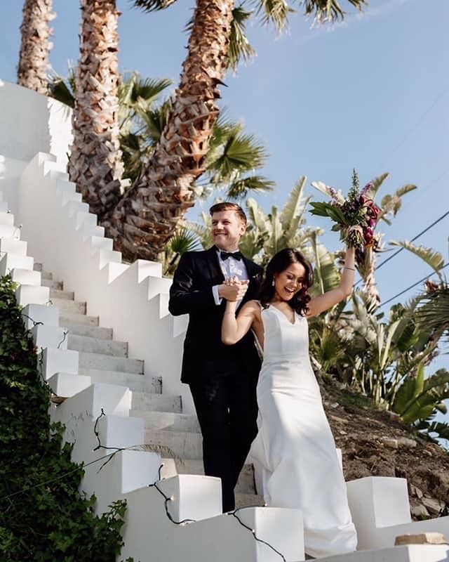 This is what you call an LA wedding, palm trees and sunshine. Hair & Makeup @juliejungmakeup 📸 @christykendallphotography