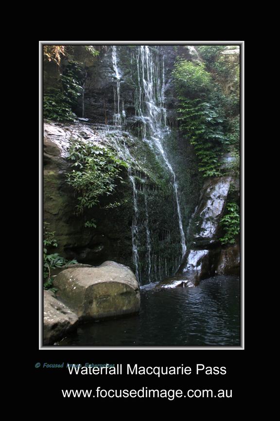 Waterfall Macquarie Pass.jpg