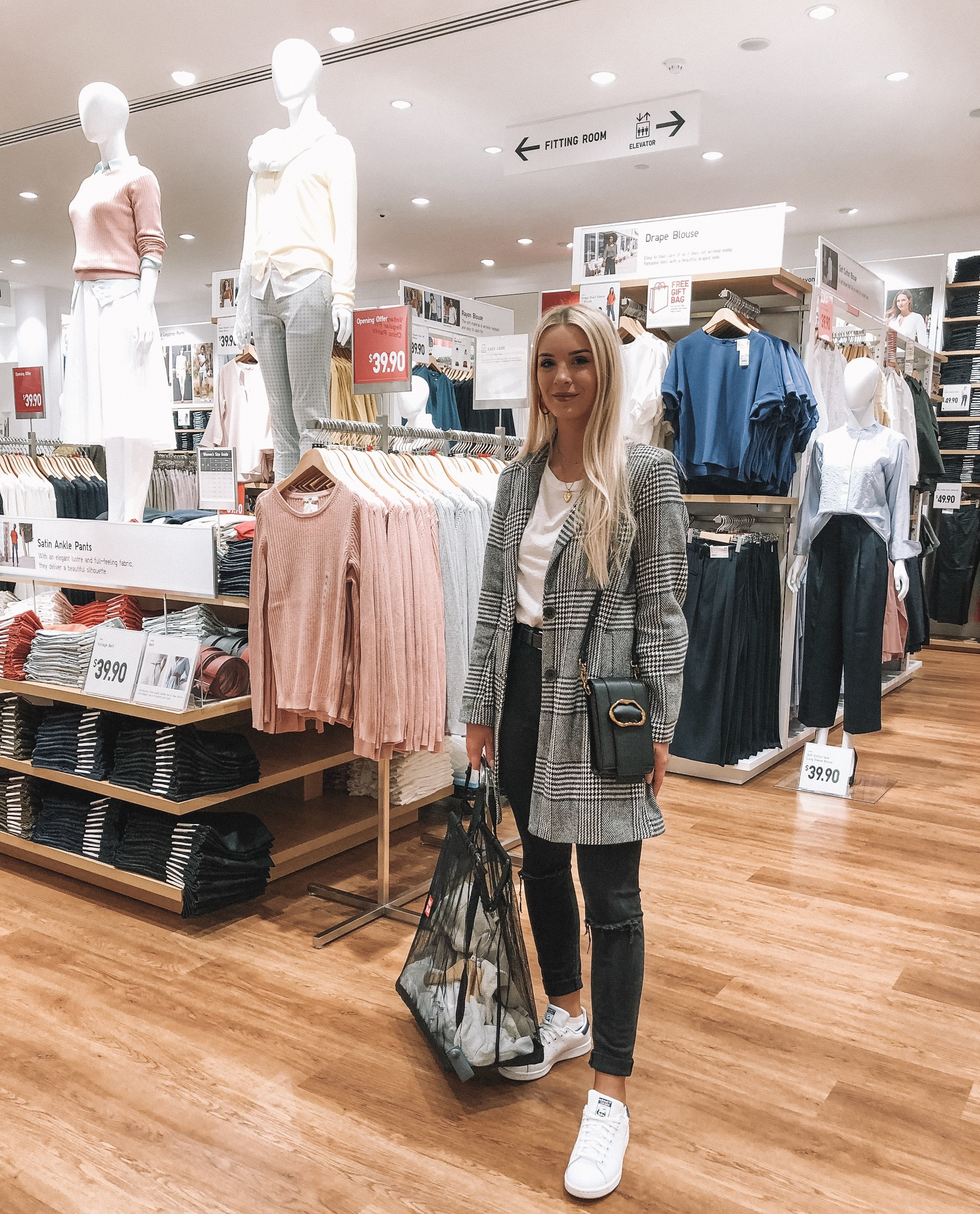 UNIQLO Perth - Fashion Blogger Izzy Smith