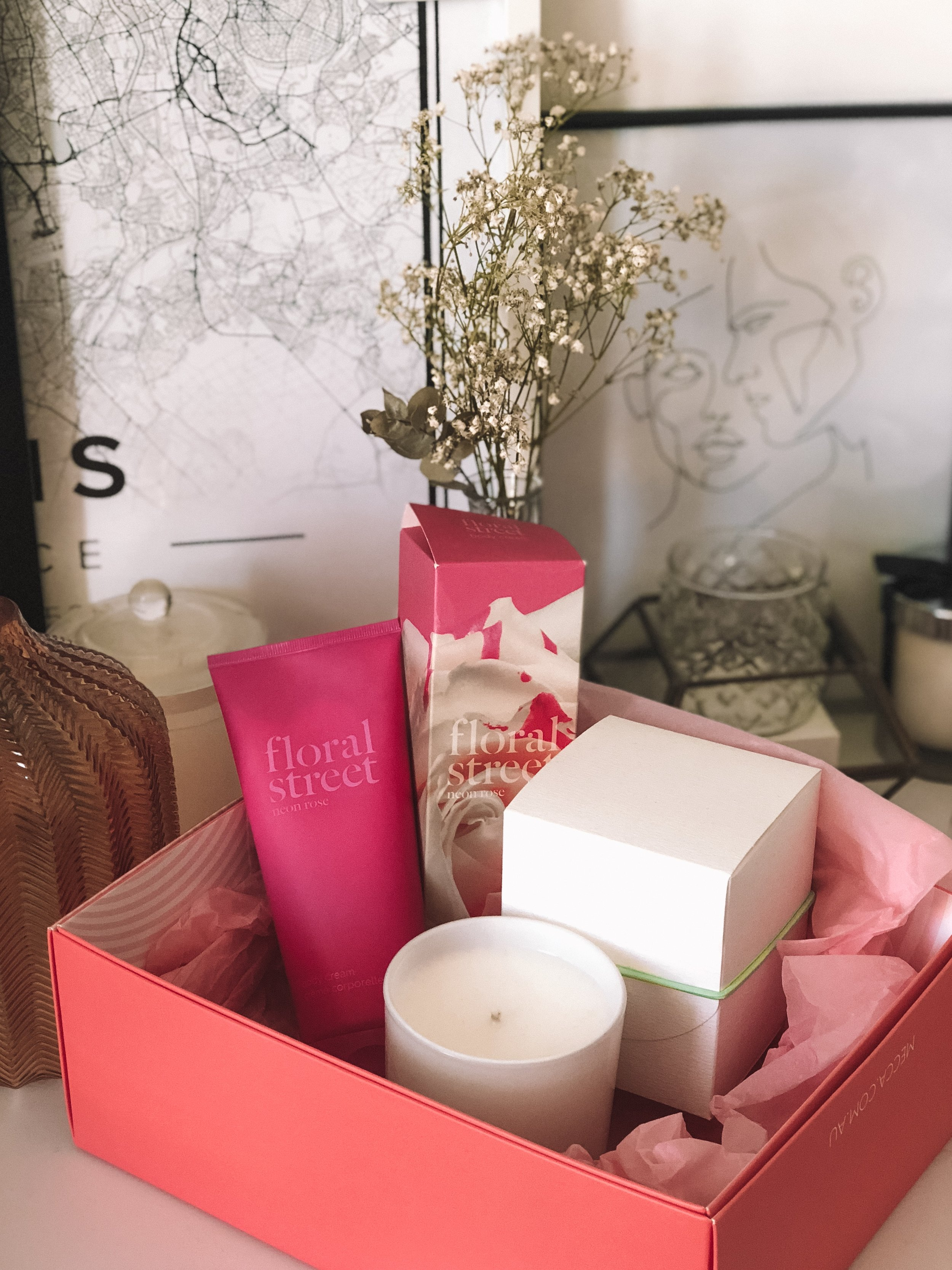 MECCA - New Brand Floral Street