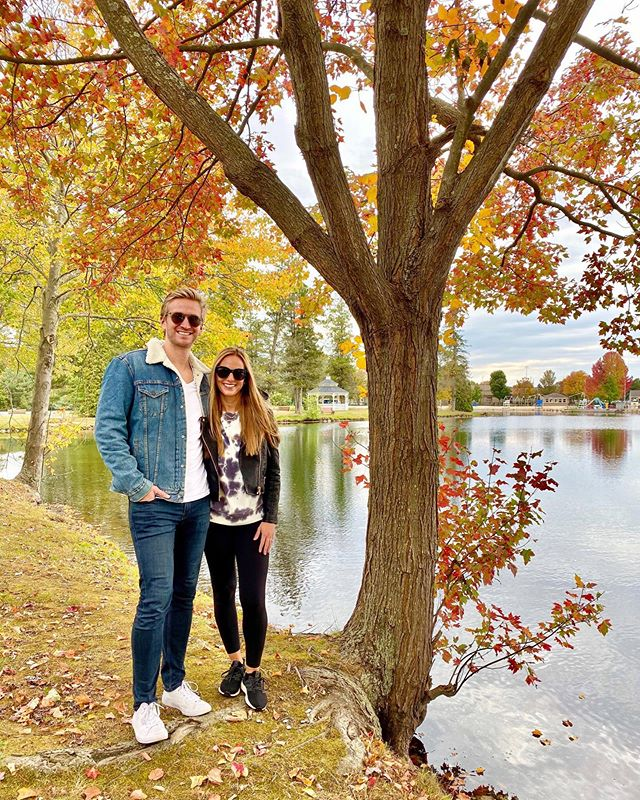 ⚠️ Neither couple or foliage are peaking ⚠️ {Both of our casual outfit details via link in profile #liketkit #LTKunder100 #LTKunder50 #LTKmens #LTKfit @liketoknow.it http://liketk.it/2FLYI }