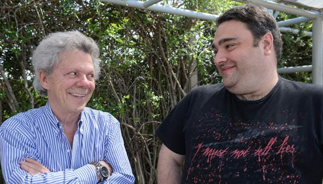Emilio Disi y Sergio Rentero, el productor de la restauración de 'Los bañeros más locos del mundo'.