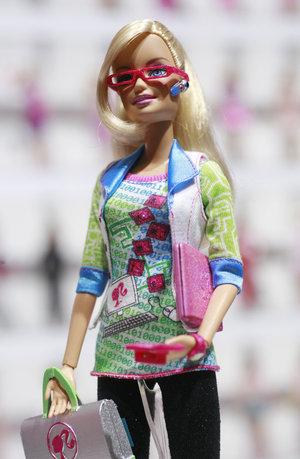 computer_barbie_custom-eab968d2ec371b98ebf760735c5393c0f152df7b-s300-c85.jpg