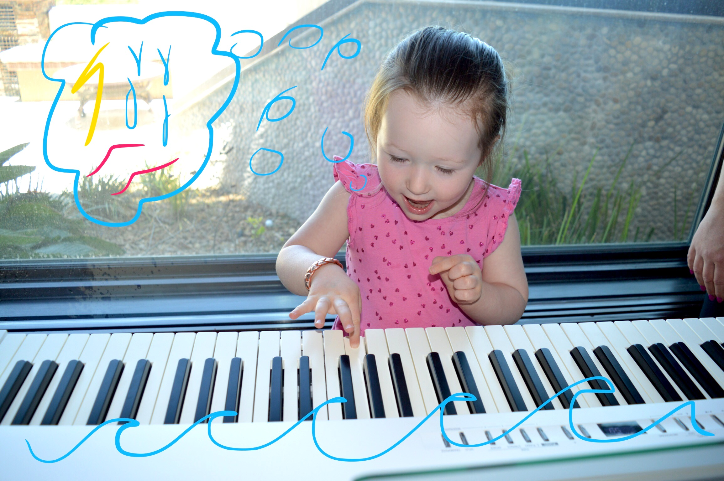 Kezi taking after her VEGASMAMA™, the piano keys were playing outdoor elements like waves crashing, lightning bolts & songs of the sea.
