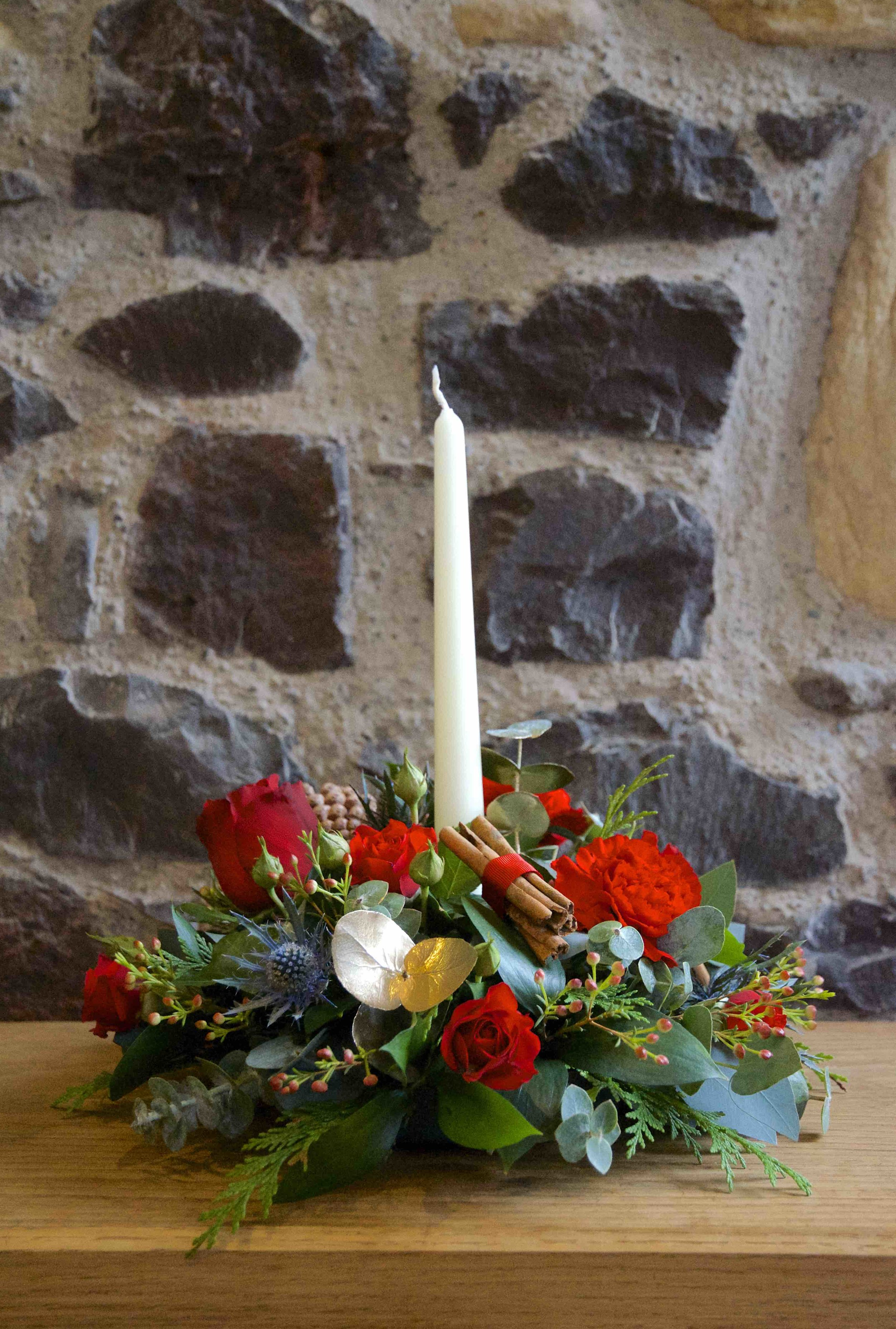 Small Round Dinner Candle Arrangement