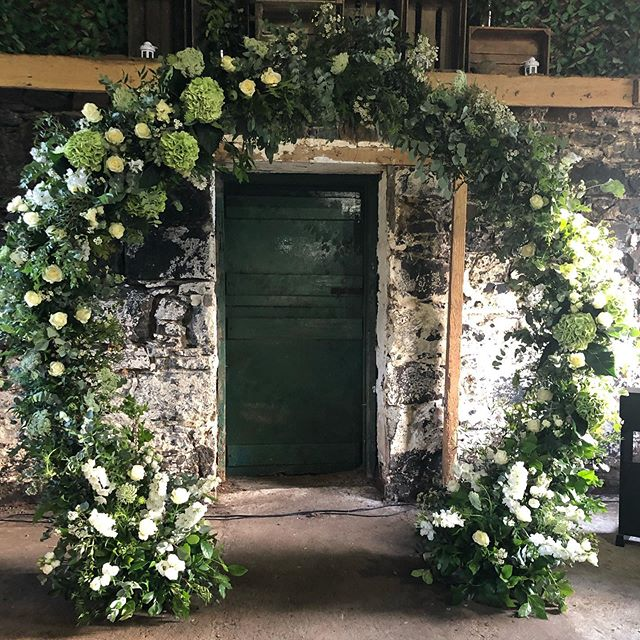Moongatin' on Mull.....our new bespoke @nofloralfoam moongate by Nathan at @floralfabrications ... we think it's not bad for our first time !  From yesterday's wedding ceremony in a beautiful old byre for the wedding of Sally @tobermoryfishco & Scott at @glengorm on the idilic Isle of Mull.... #moongate #isleofmull #highlandwedding #scottishflorist #floralarch #nofloralfoam #wildroseflowerskilmacolm #scottishweddings #barnwedding