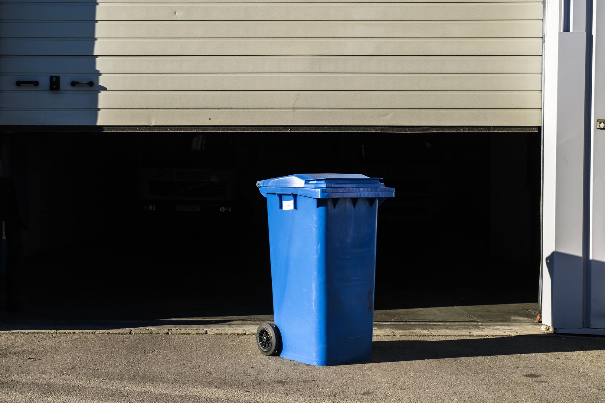 ady's hygiène nettoyage dreckskescht lavage container lavage poubelle poubelles conteneur conteneurs rentrée sortie poubelle service d'hygiène luxembourg station de tri 4.jpg