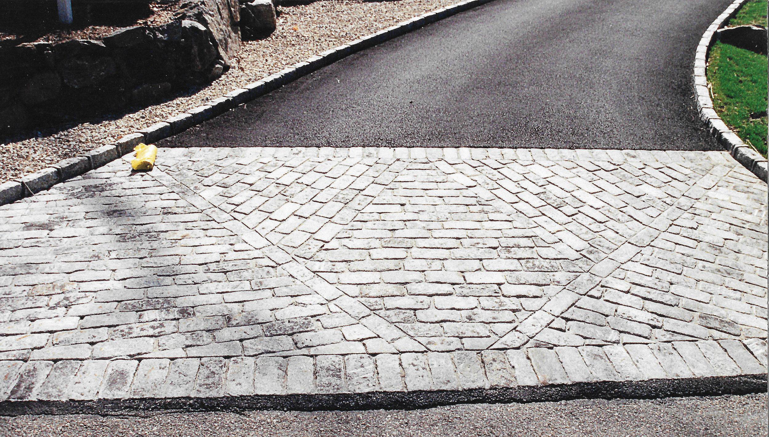 V cobble stone driveway.jpg