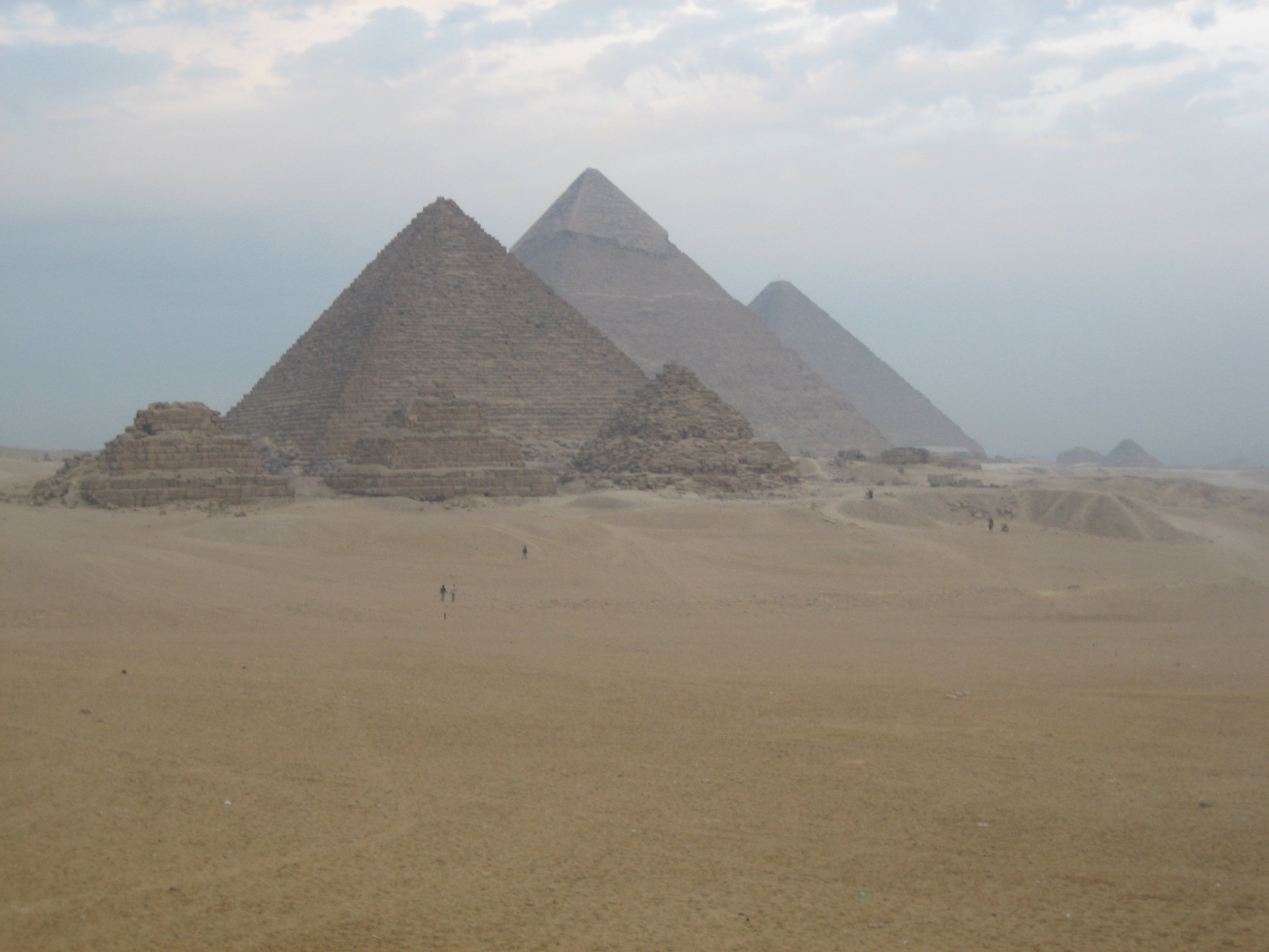 Counting the Pyramids, Giza, Egypt  Flight hotel deal