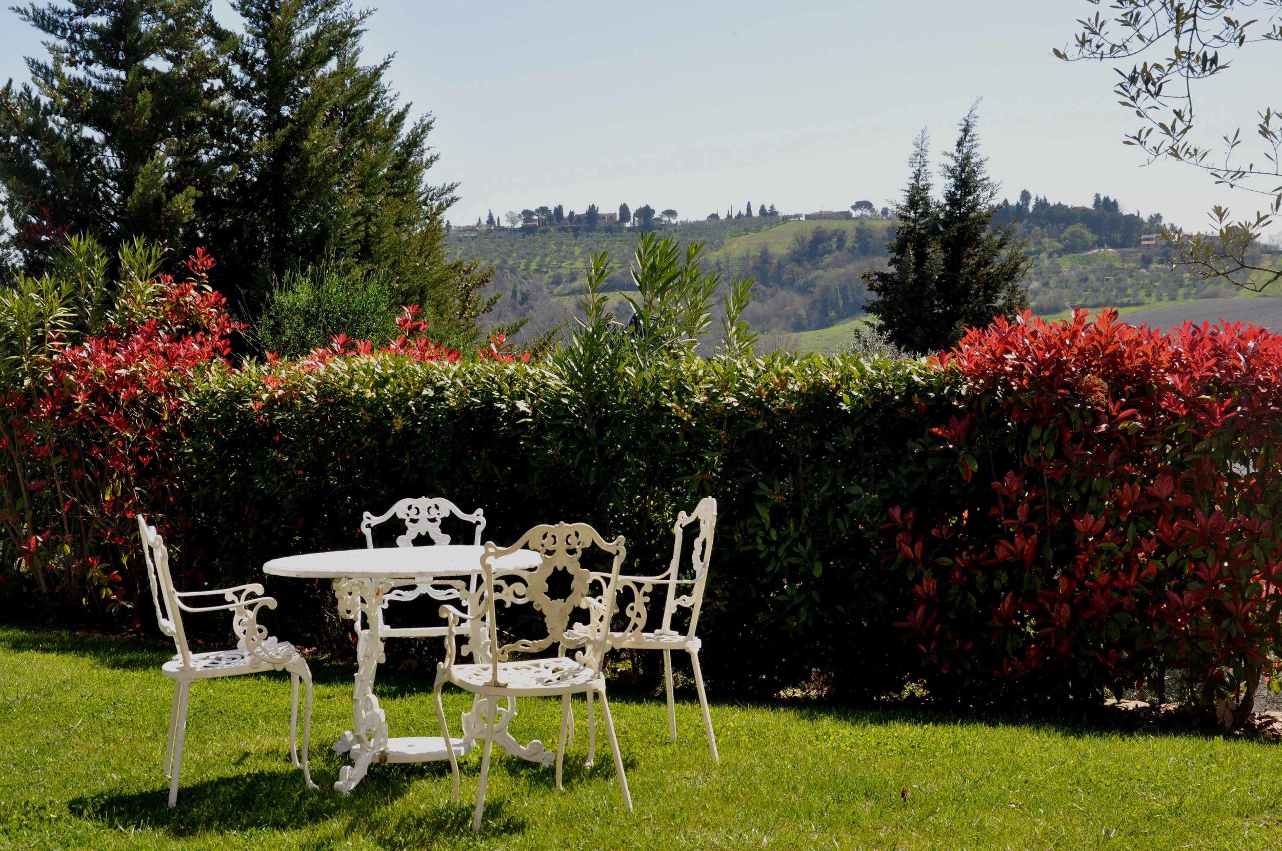 front-garden-with-views-4.jpg