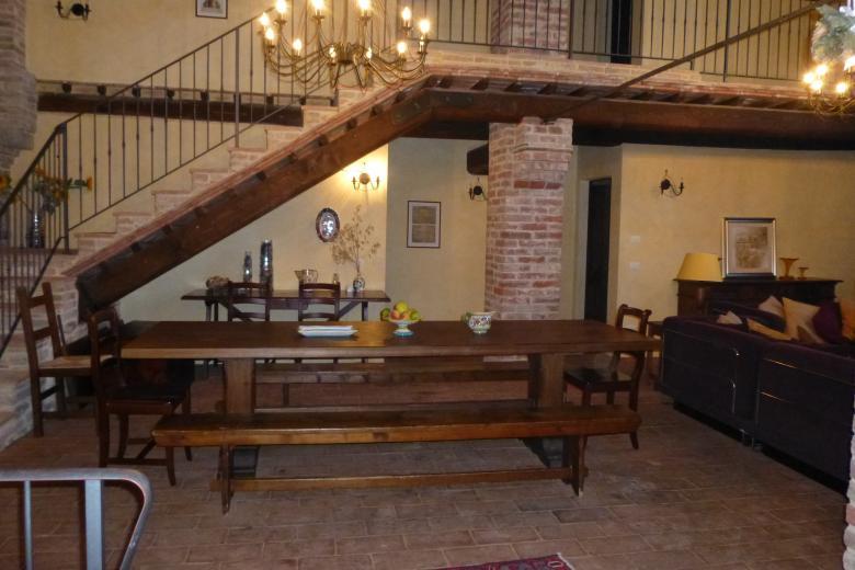 5. Villa Dining Room.JPG