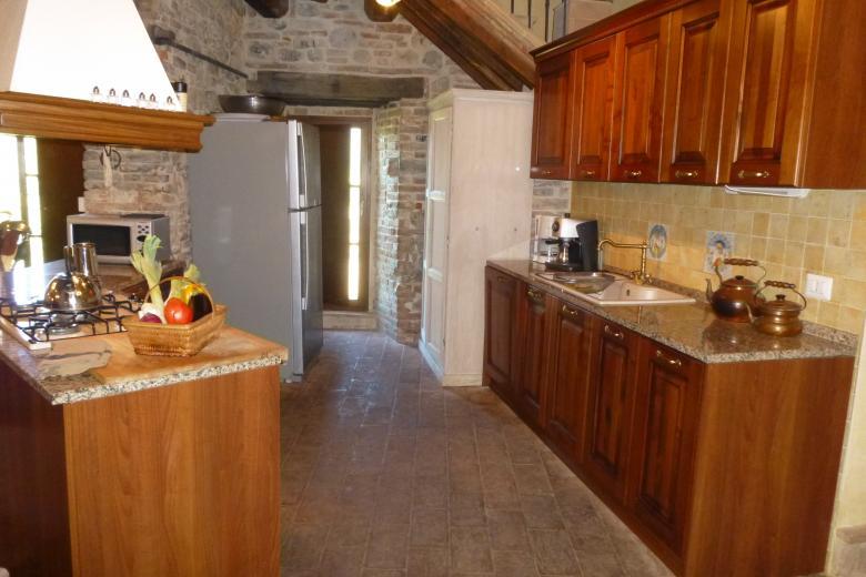 9. Villa Kitchen.JPG