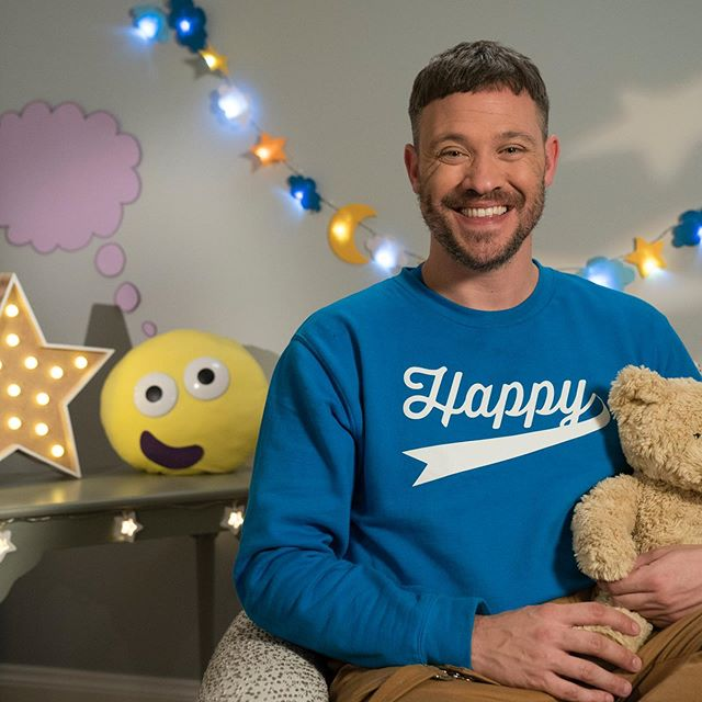 So happy! This evening the wonderful Will Young will be reading Mind Hug on CBeebies Bedtime Stories - catch it at 6.50pm. Thank you so much @willyoungofficial and @cbeebieshq. Enjoy @vloveg, @clairebrisleydesign, @lilsabelle_h!  #BedtimeStory #BedtimeStories #CBeebiesBedtimeStory #CBeebies #ChildrensMentalHealth #MentalHealth #Mindfulness #MindfulnessForKids #ReadForEmpathy #PictureBook #Storybook #BooksForKids #KidsLit #MindHug