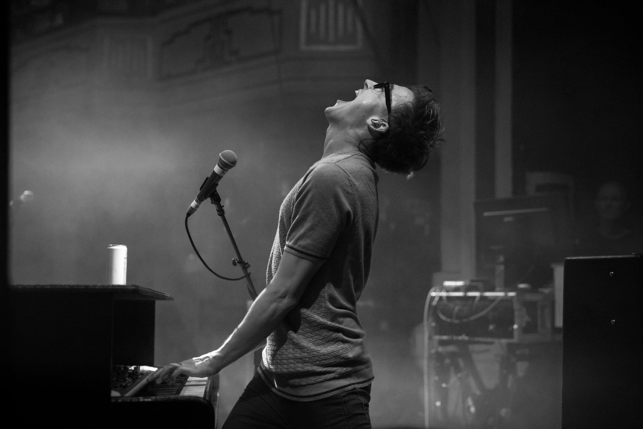 tom+playing+piano+standing.jpg