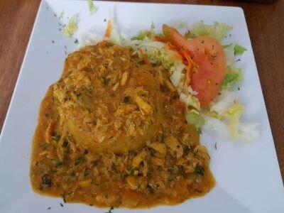 A plate of Puerto Rican mofongo relleno de jueyes.