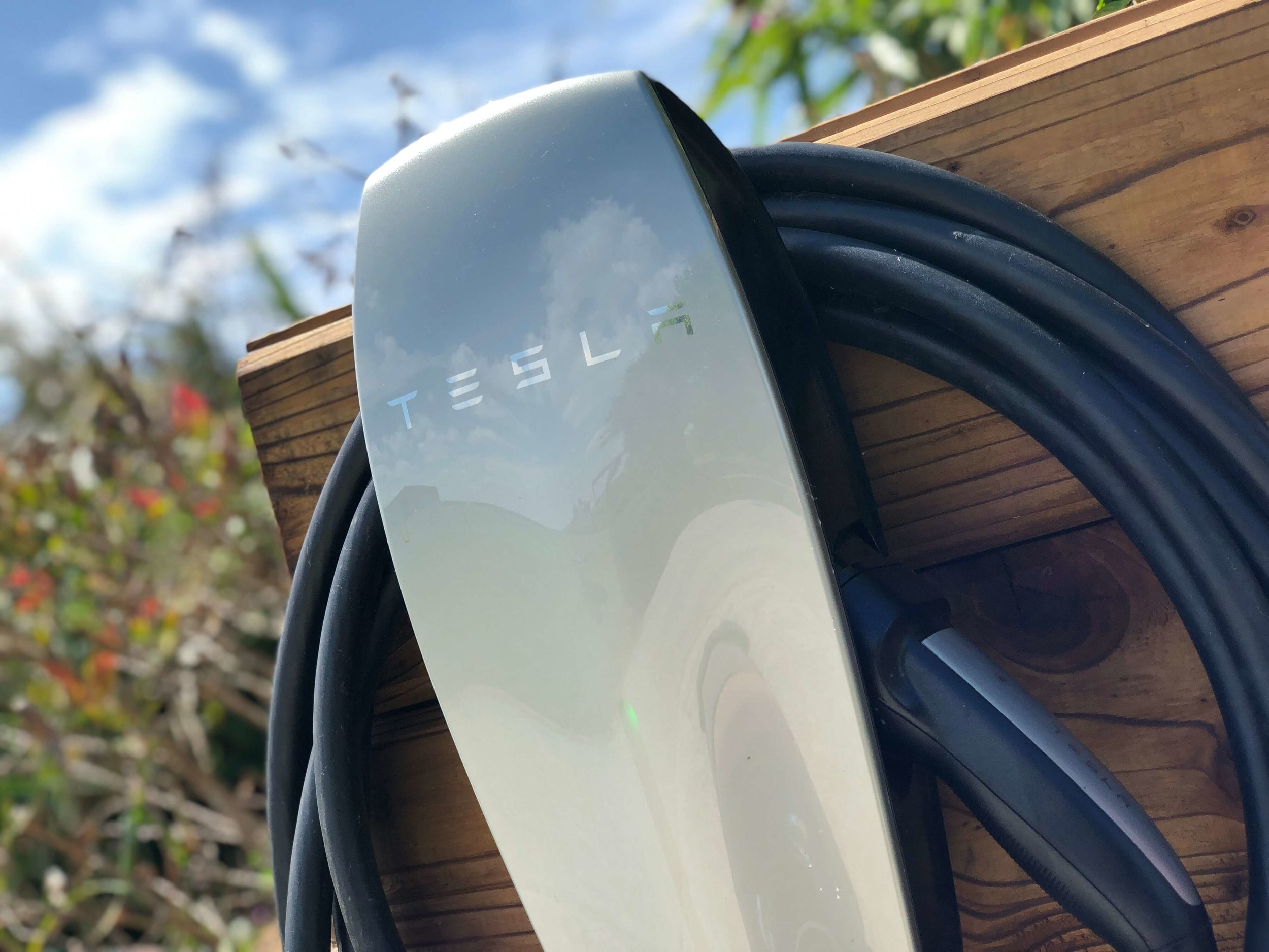 tesla-charging-point-1.jpg