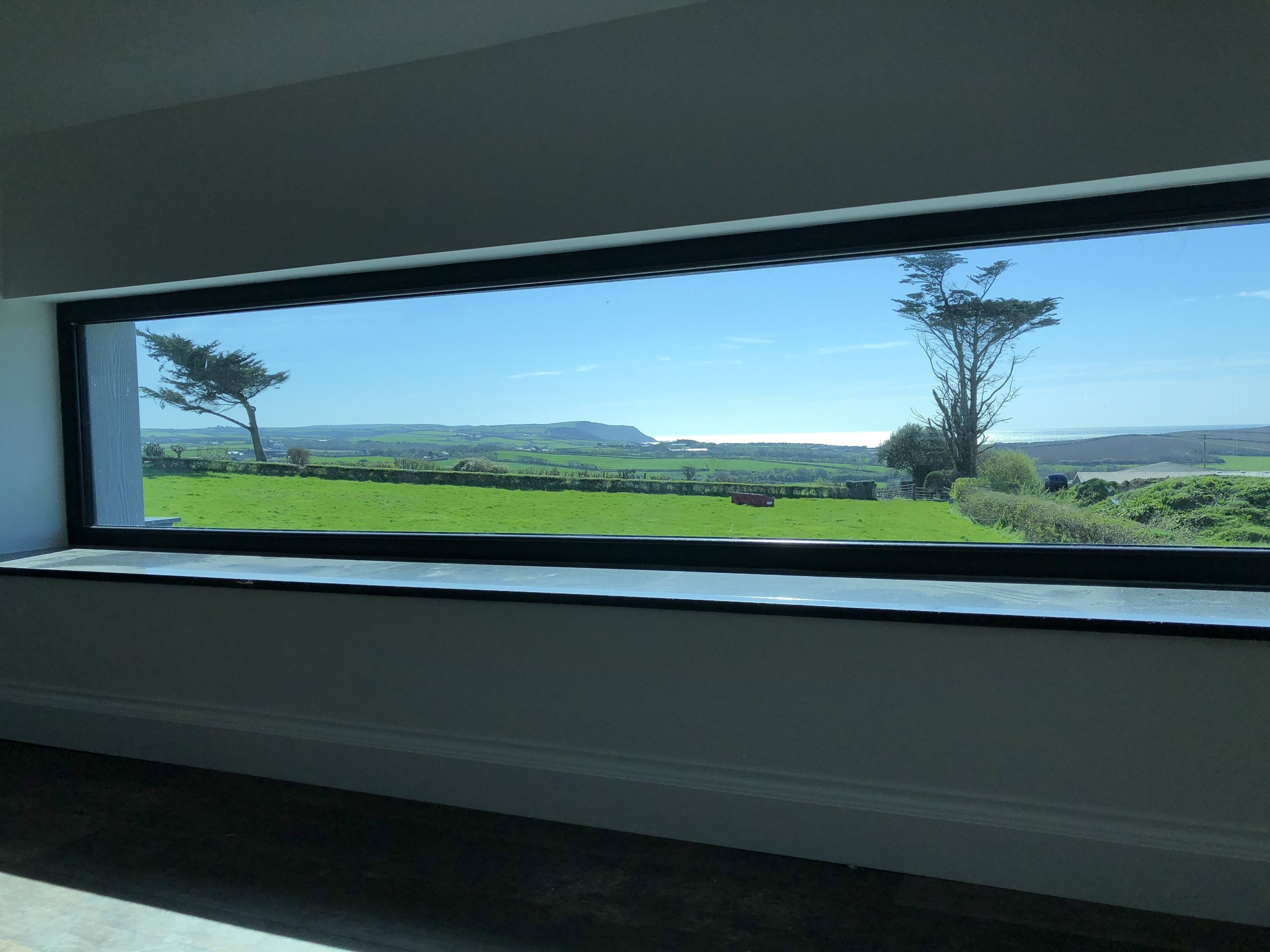 Countryside and sea view from the bathroom