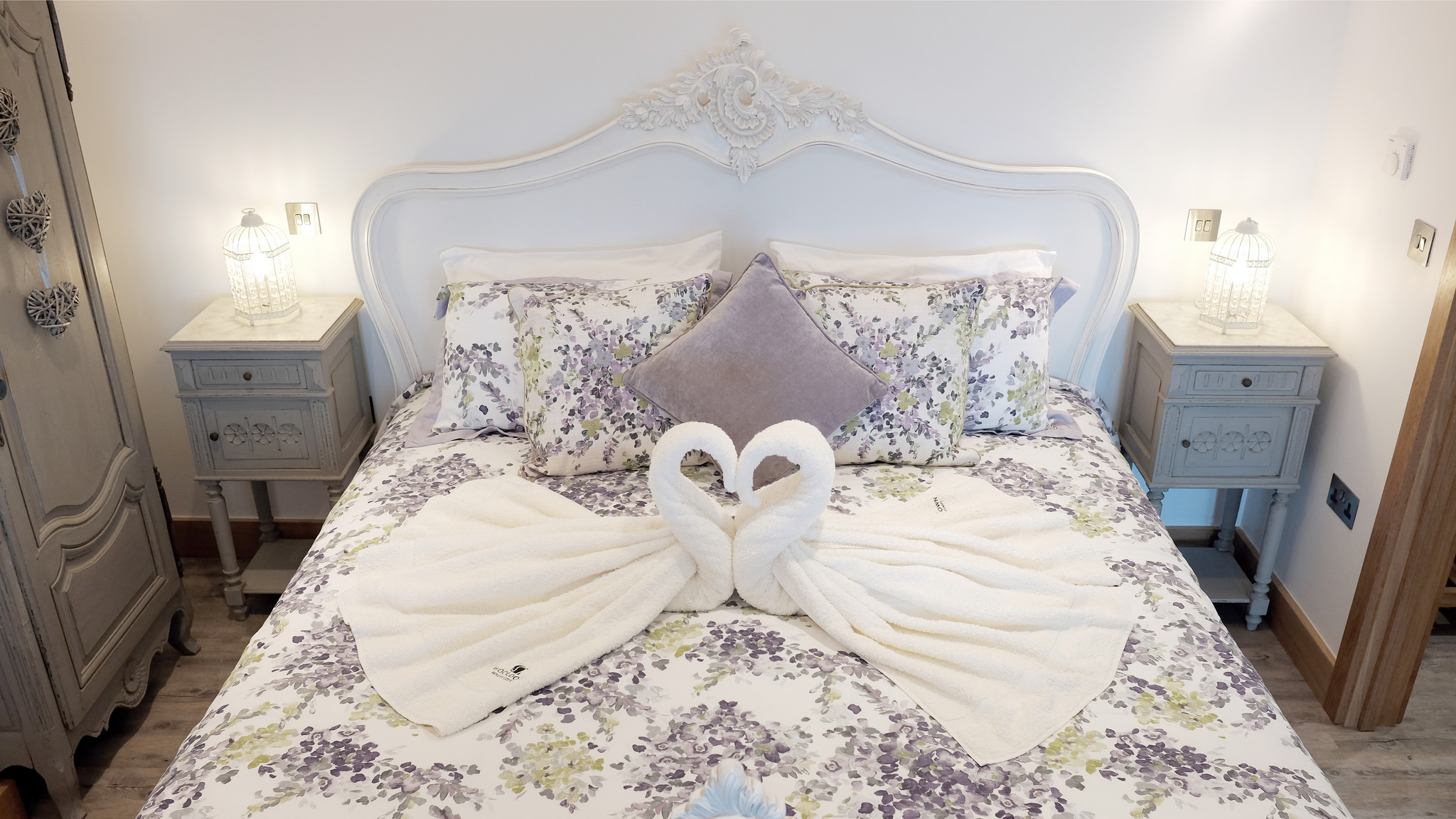 Bijou's super-king size bed and soft towels