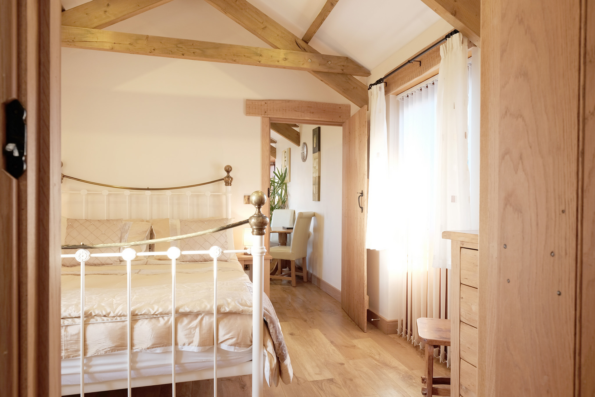 Romantic bedroom with kingsize bed and memory foam mattress
