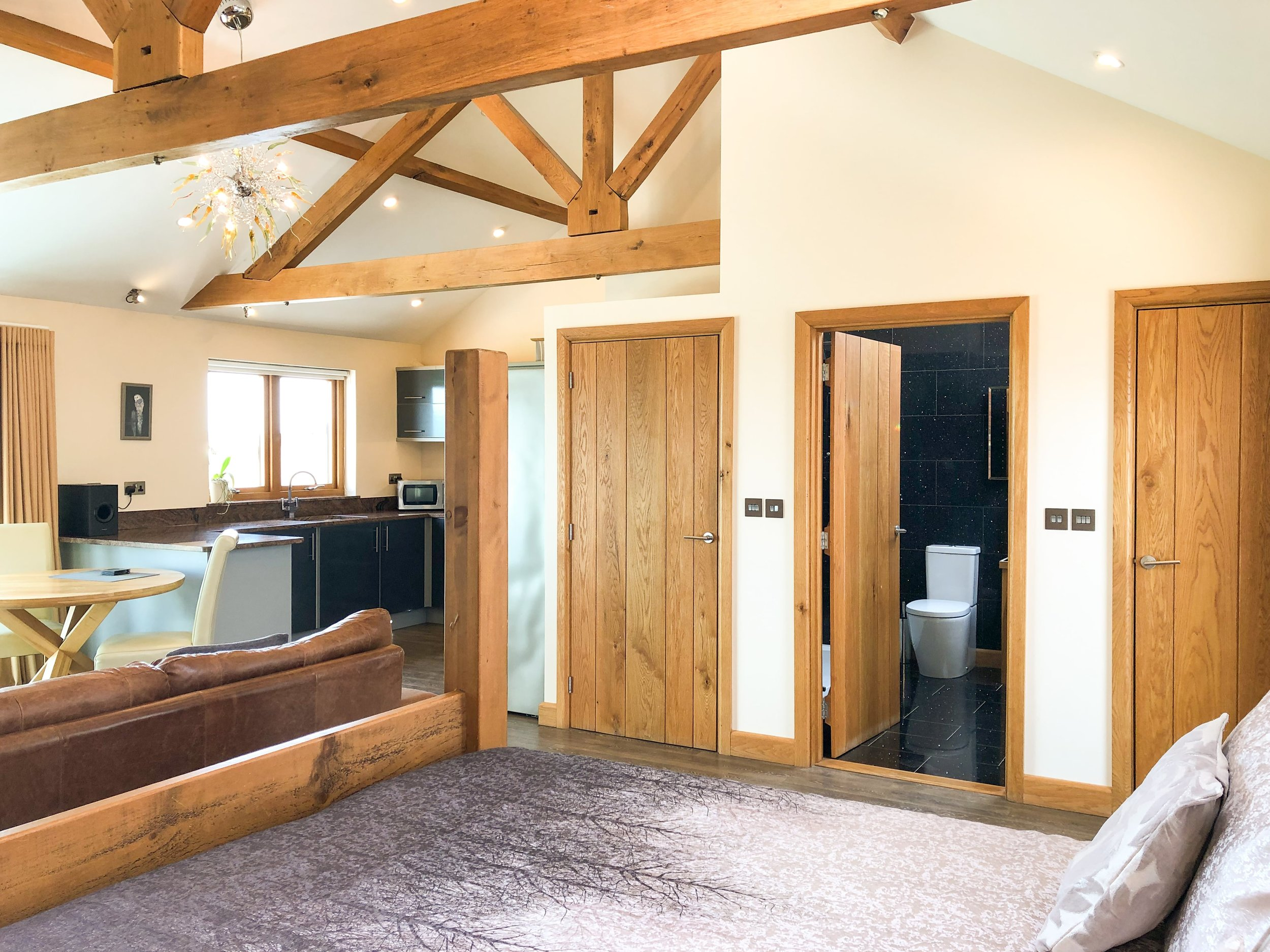 Bedroom area with en-suite bathroom