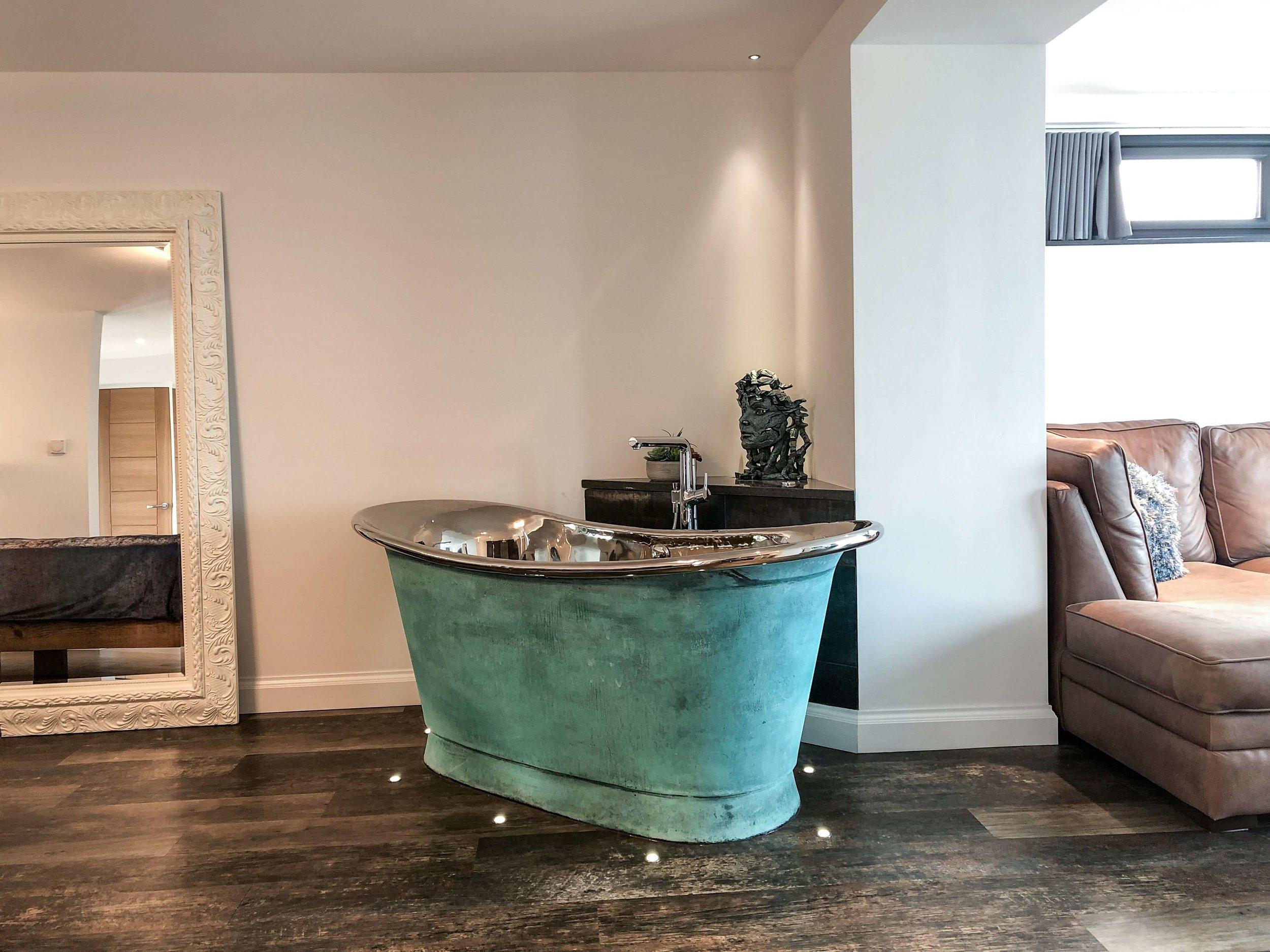 Air-spa bath in the bedroom area of Silver Sea