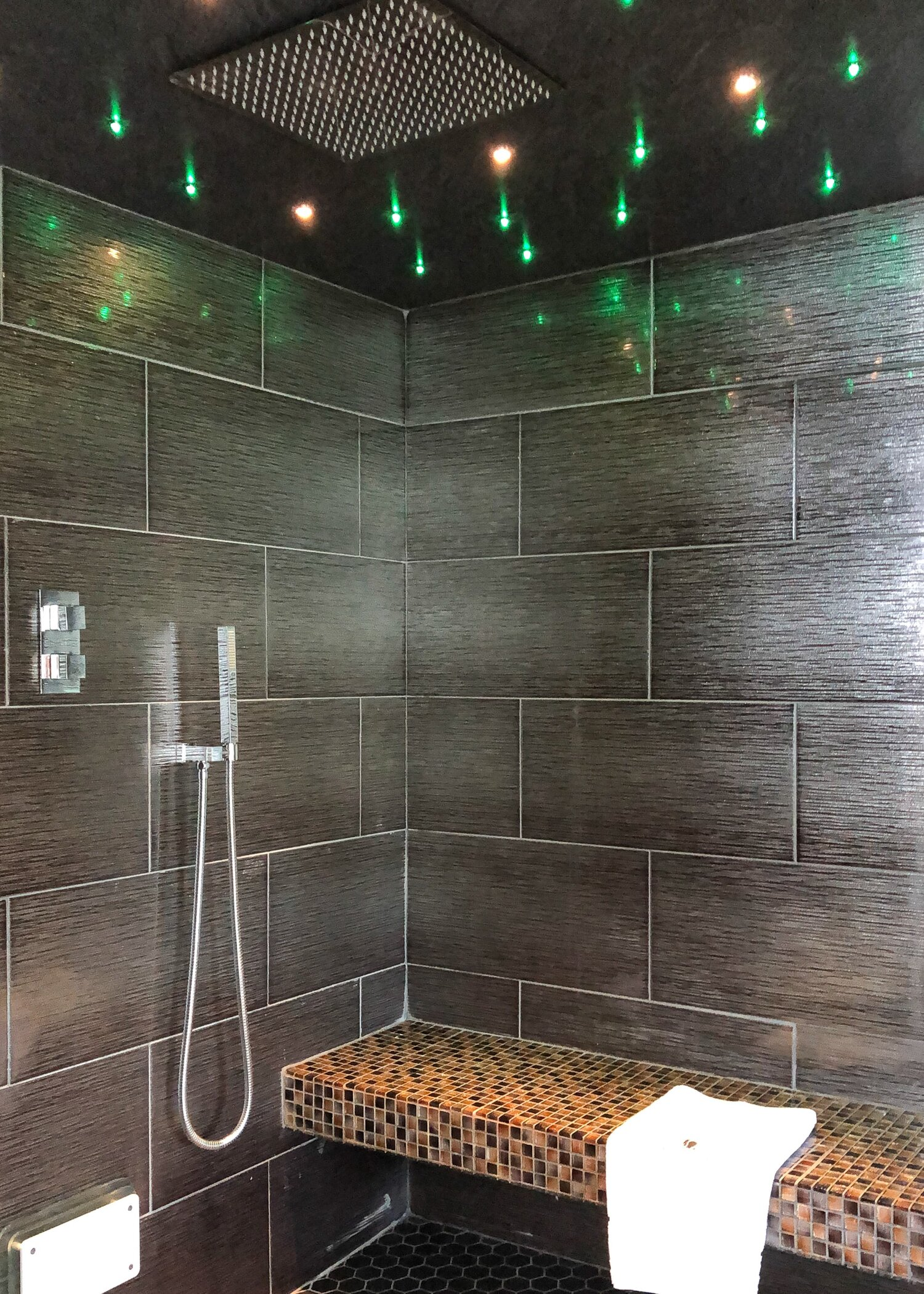 Steam and shower room with star lighting