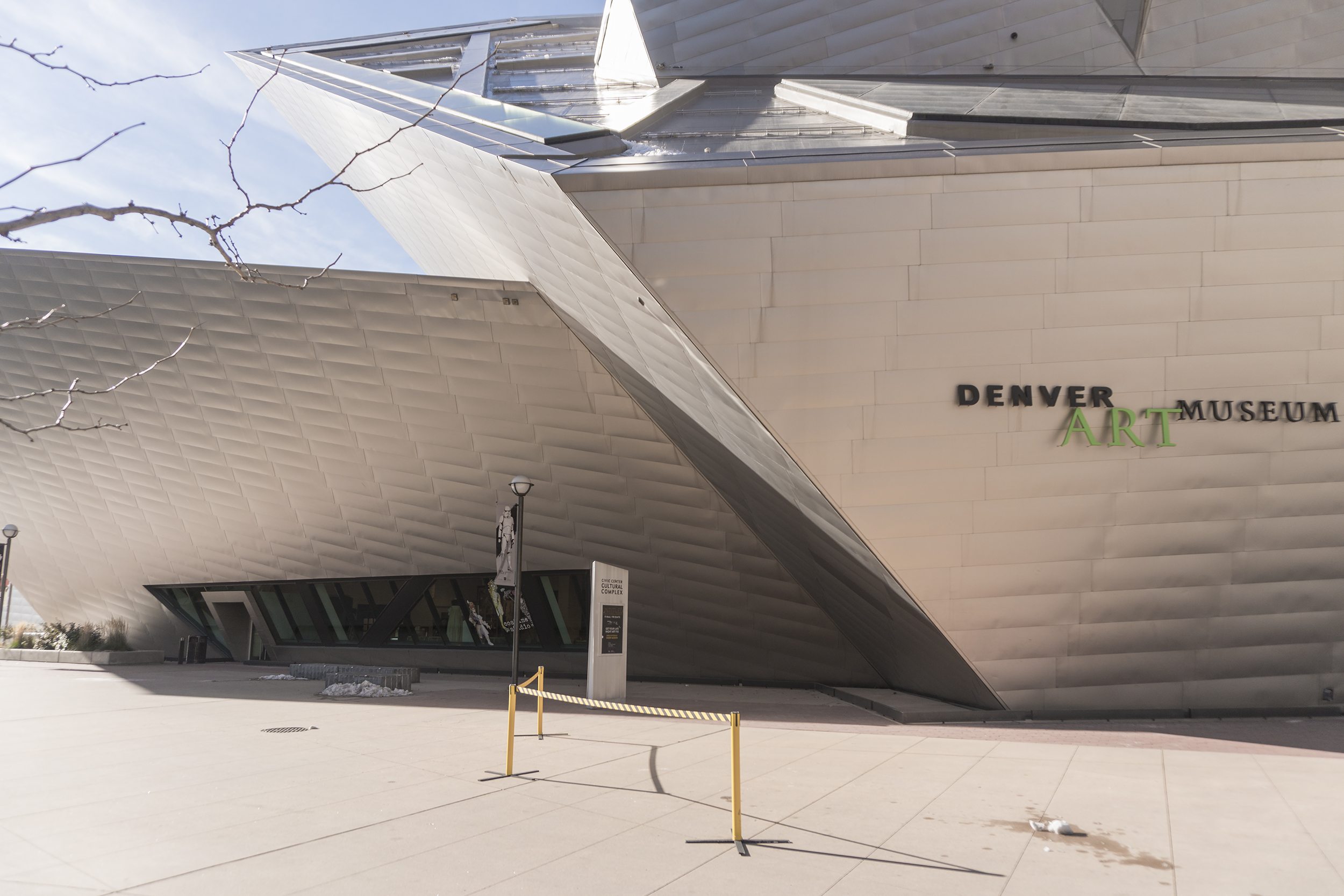 BARRICADES ERECTED TO PROTECT PEDESTRIANS FROM FALLING SHARDS OF ICE, DENVER ART MUSEUM. ARCHITECT: DANIEL LIBESKIND