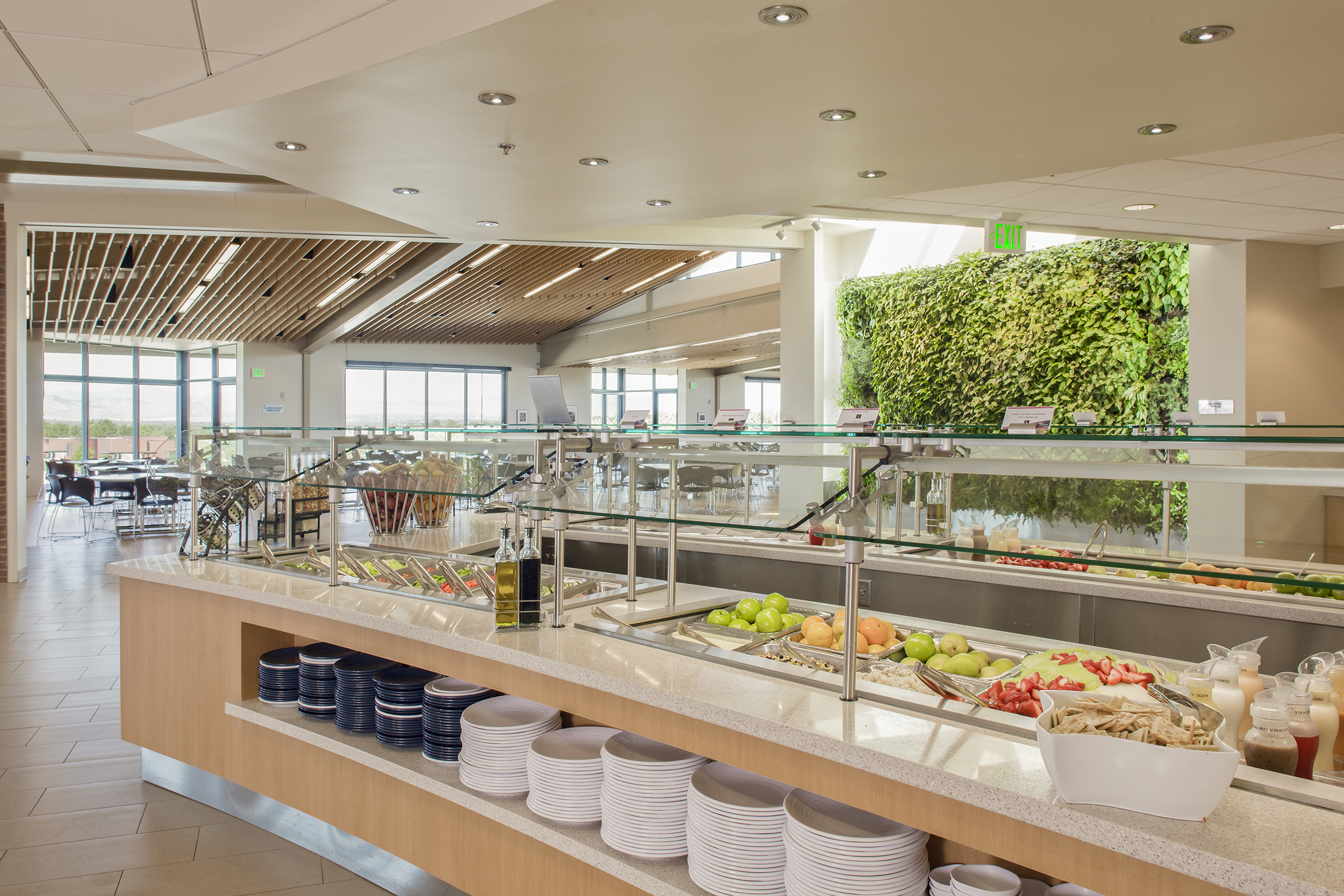 ORGANIC SALAD BAR. ELITE PRIVATE SCHOOL CAFETERIA