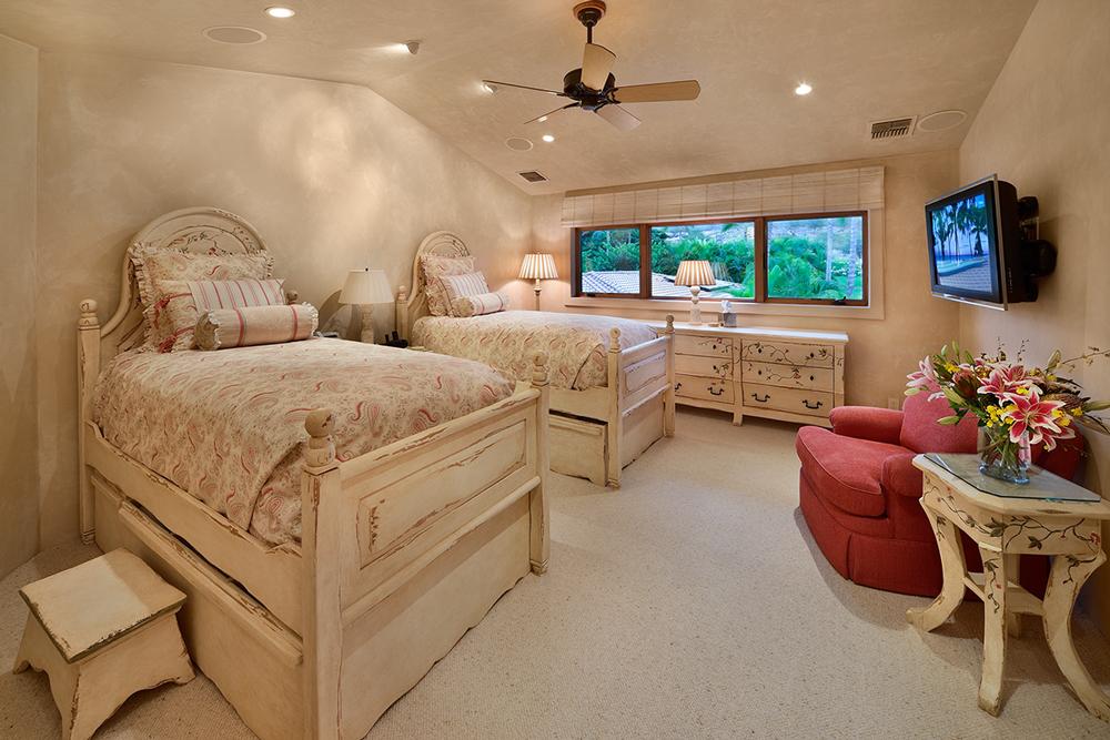 Bed06_01.jpg
