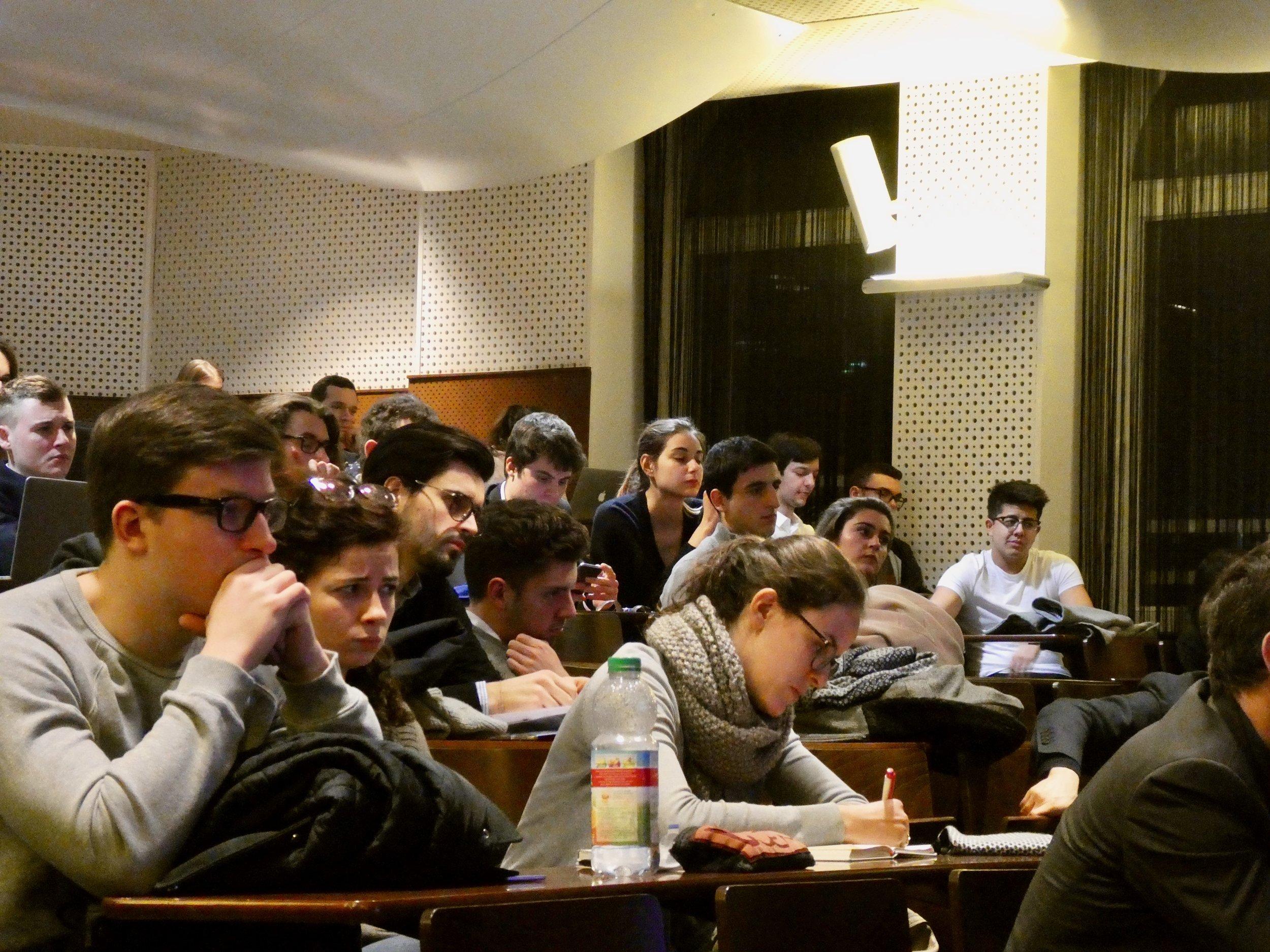 """AFTERWORK """"Les métiers de la sécurité"""" - Sciences Po Strasbourg Consulting a organisé son premier Afterwork de l'année ce mercredi 21 février ! Le thème portait sur """"les métiers de la sécurité, entre secteur privé et public"""" !"""