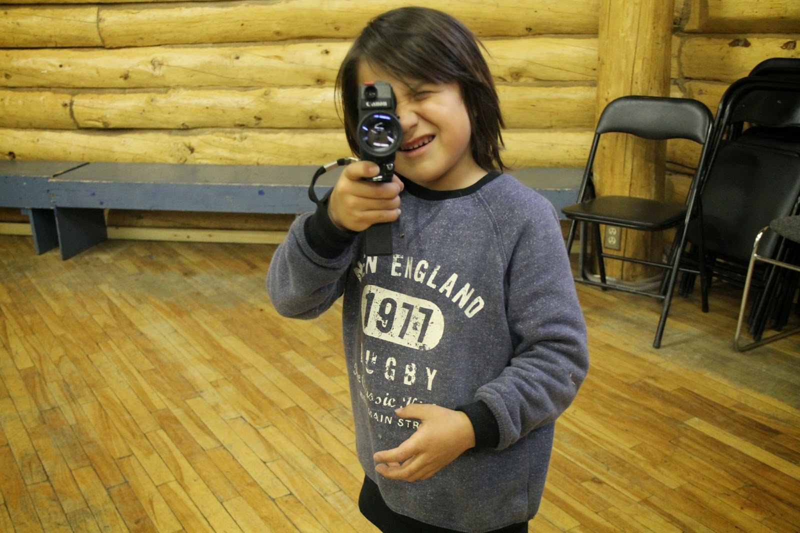 Keanu practices the camera