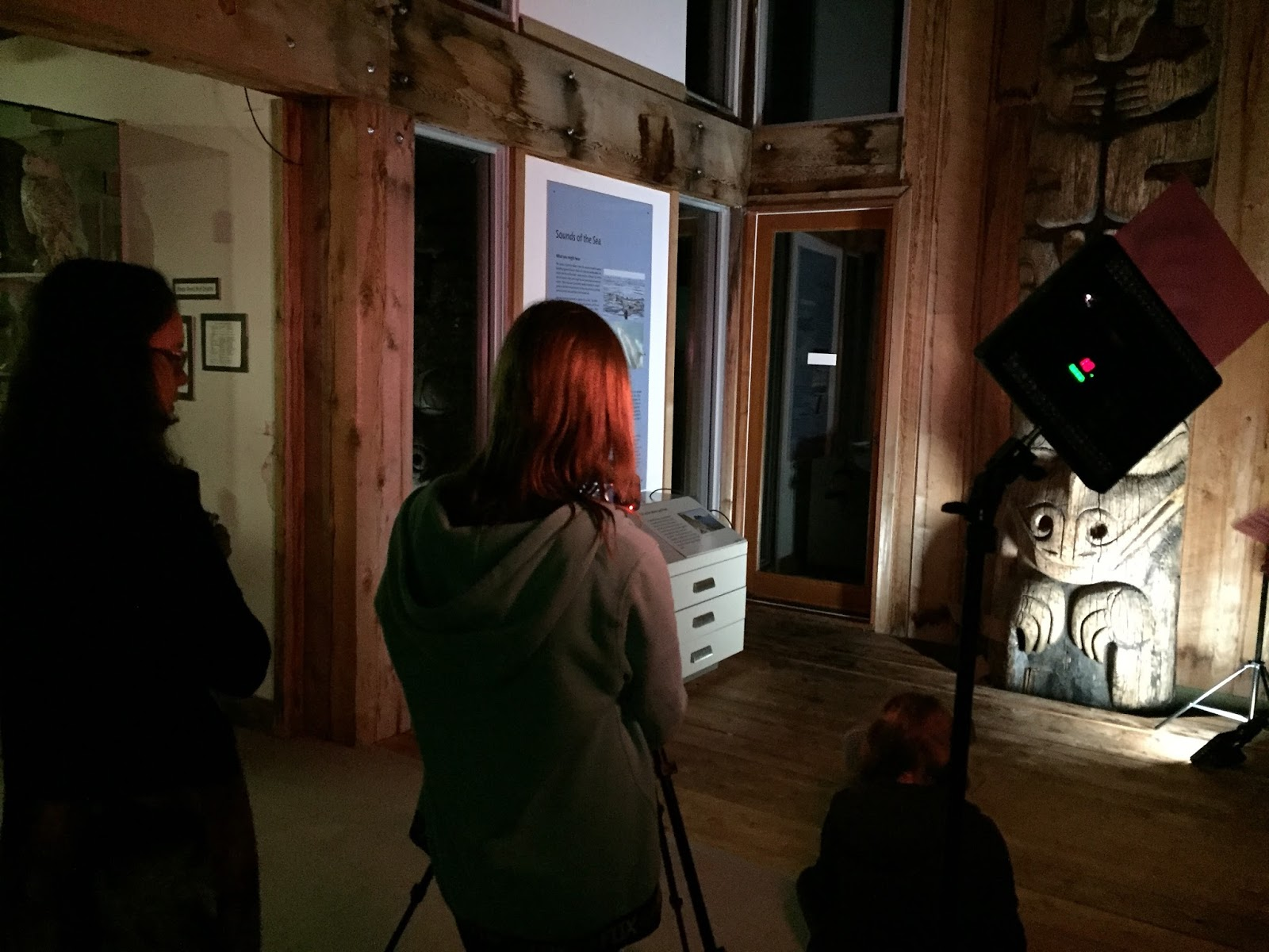 In this scene the main character runs out of the museum doors and into the night!
