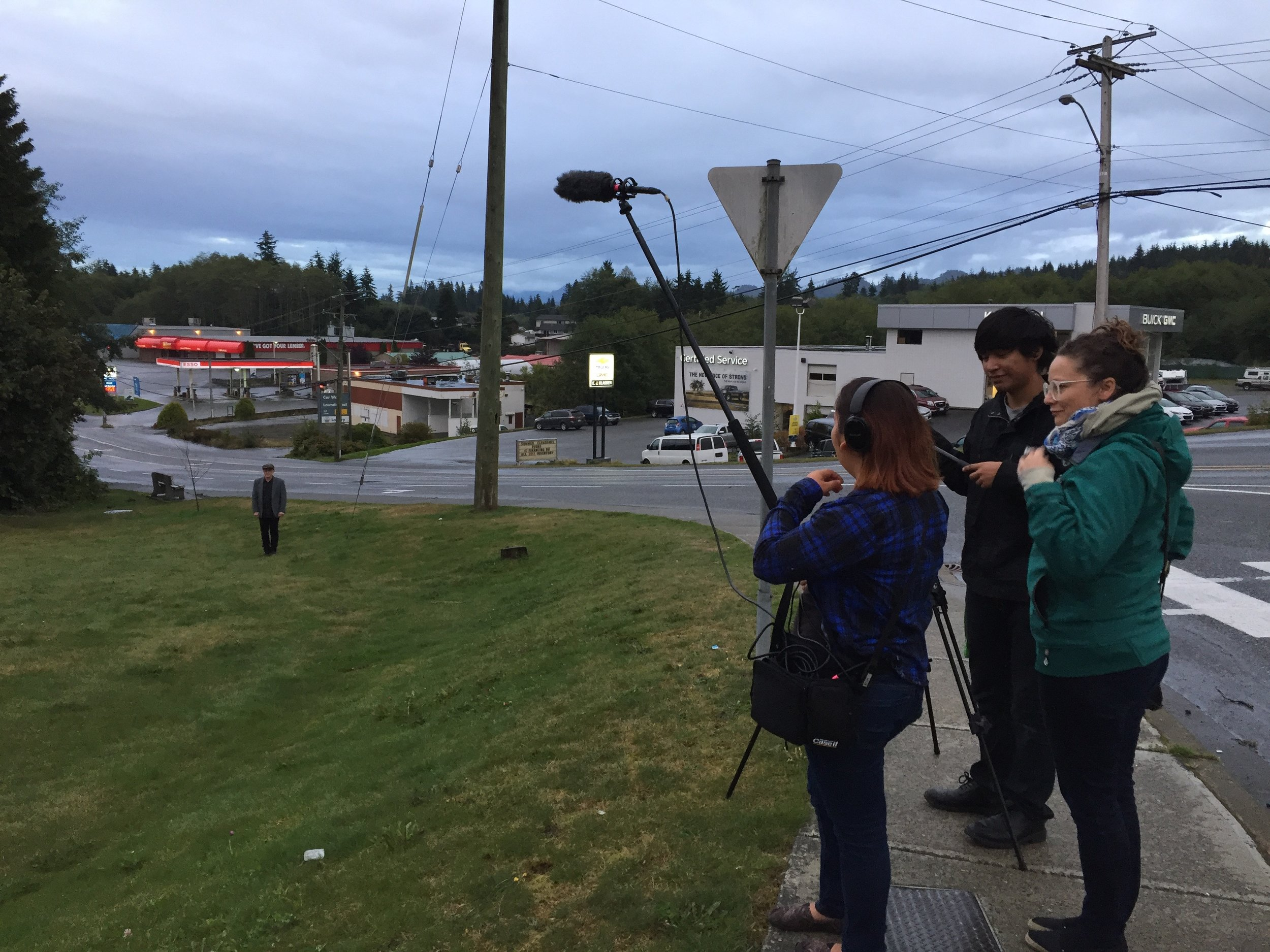 At 7pm we met at the Kwa'Lilas hotel to have our evening shoot. Thanks to Kelly/sound, Peter/acting, Odessa/Assistant Director, Lisa g/PA and of course Stephen/writer, director!