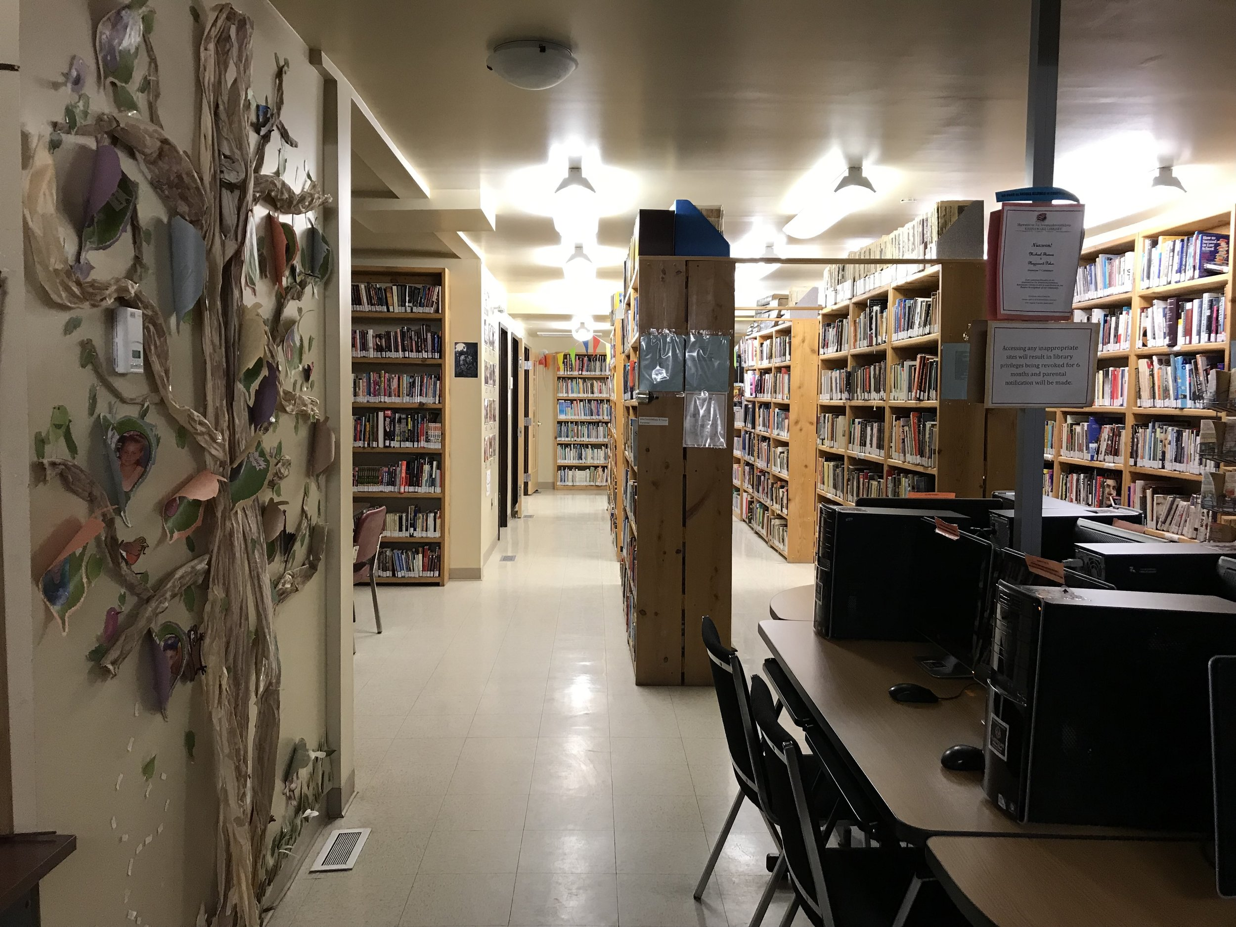 Kahnawake Library! A cosy place to work