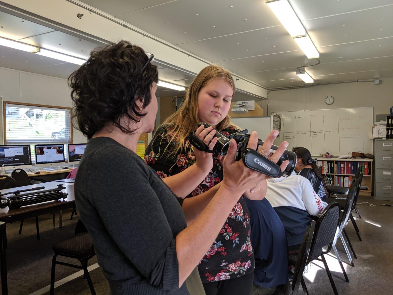 Sebnem shows Sue-Ann the camera