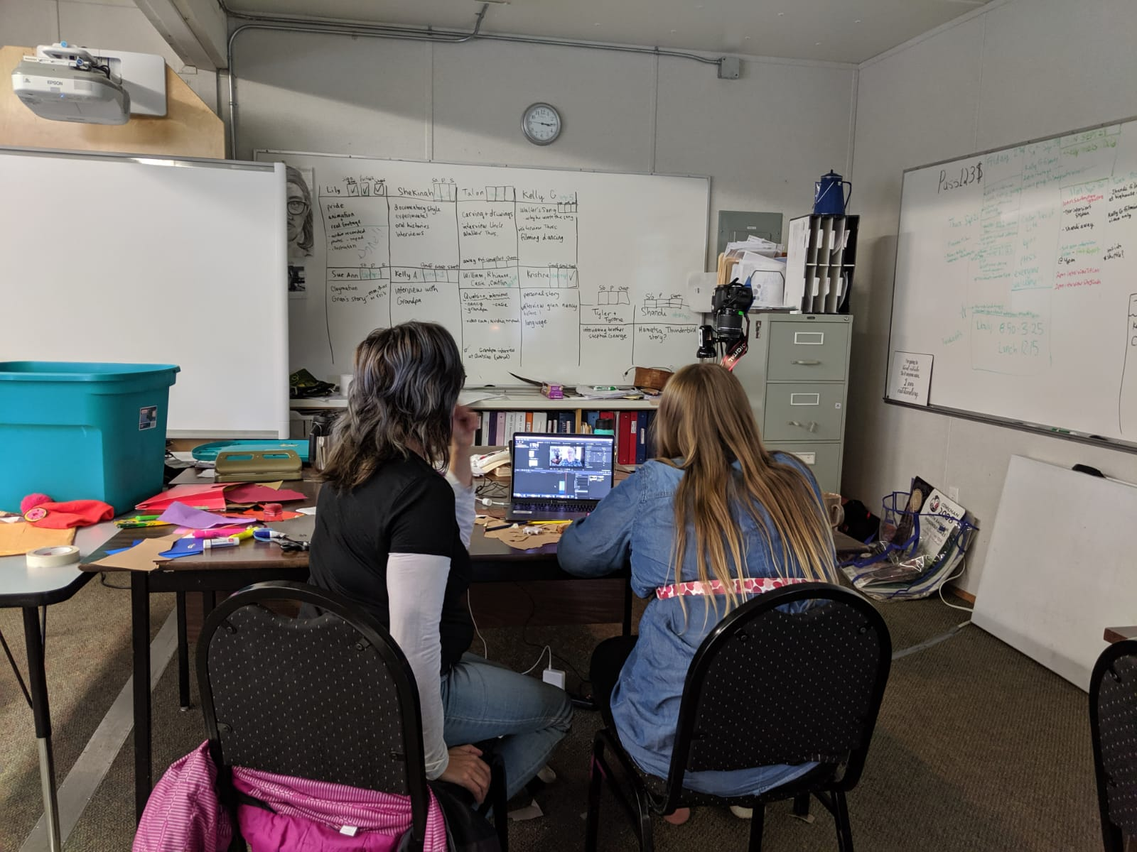 Lisa g gives Sue-Ann animation tips