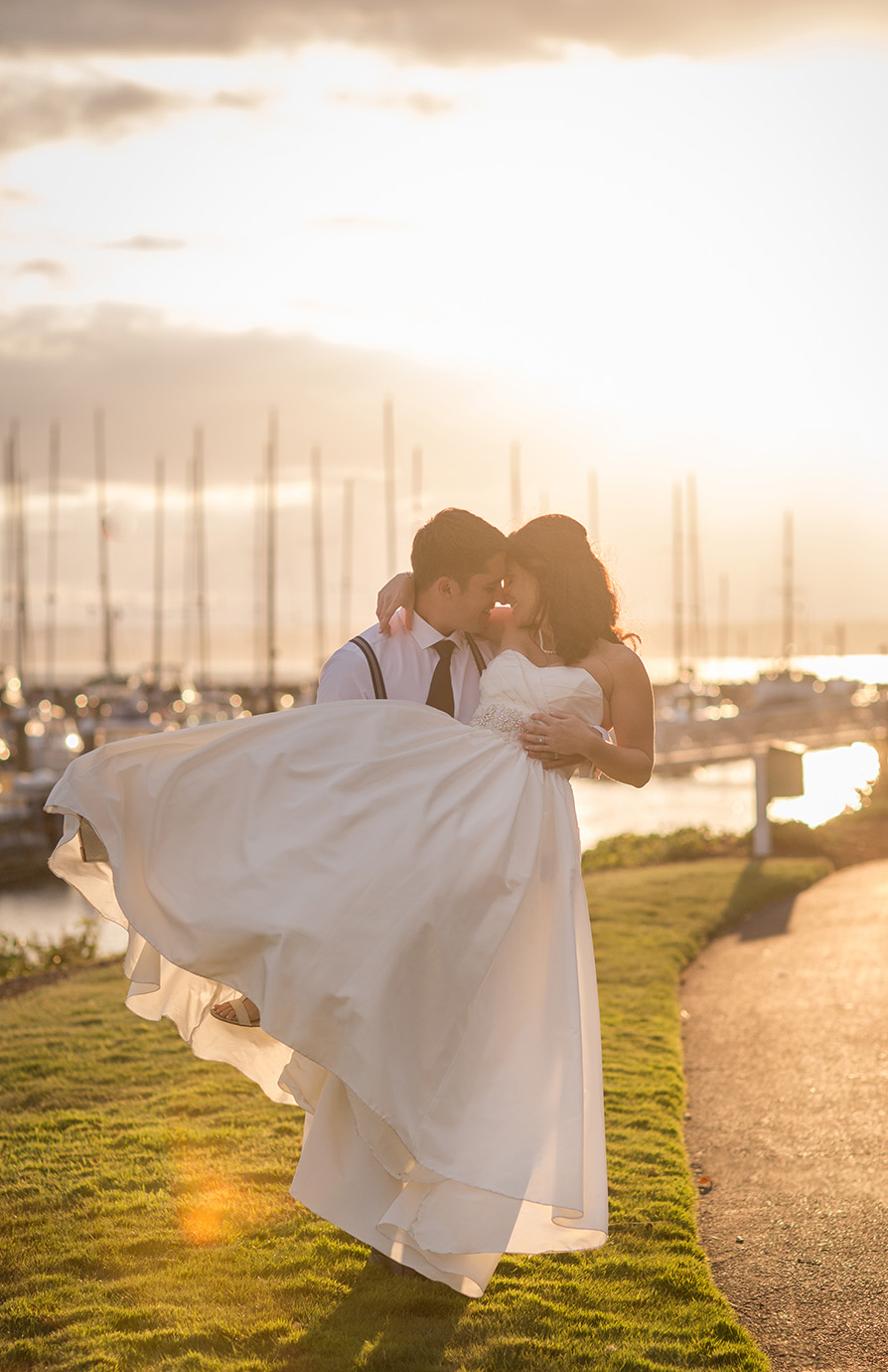 Seattle Palisade Wedding Bride and groom Sunset